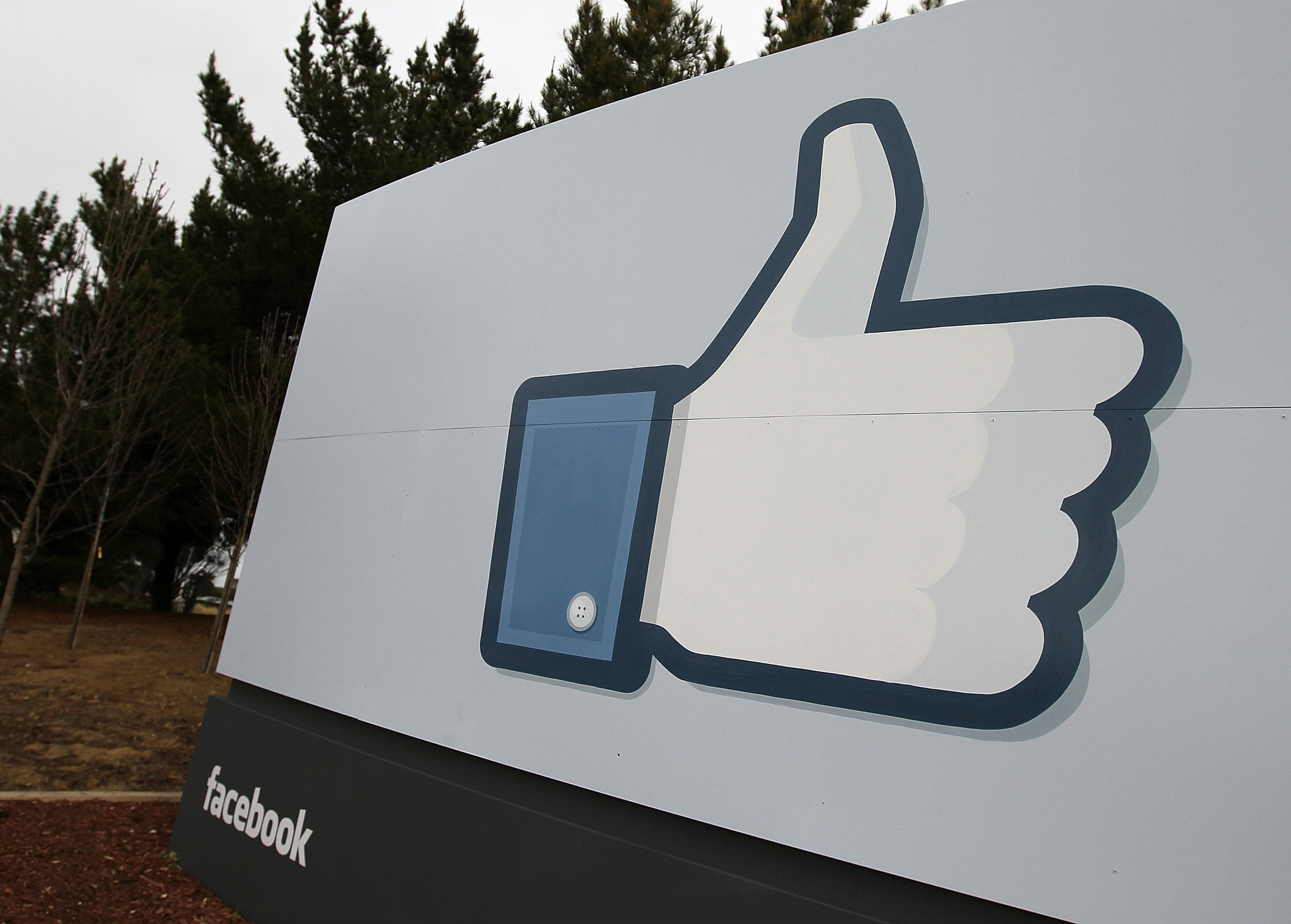 Facebook lifts ban on content from rival social network Tsu