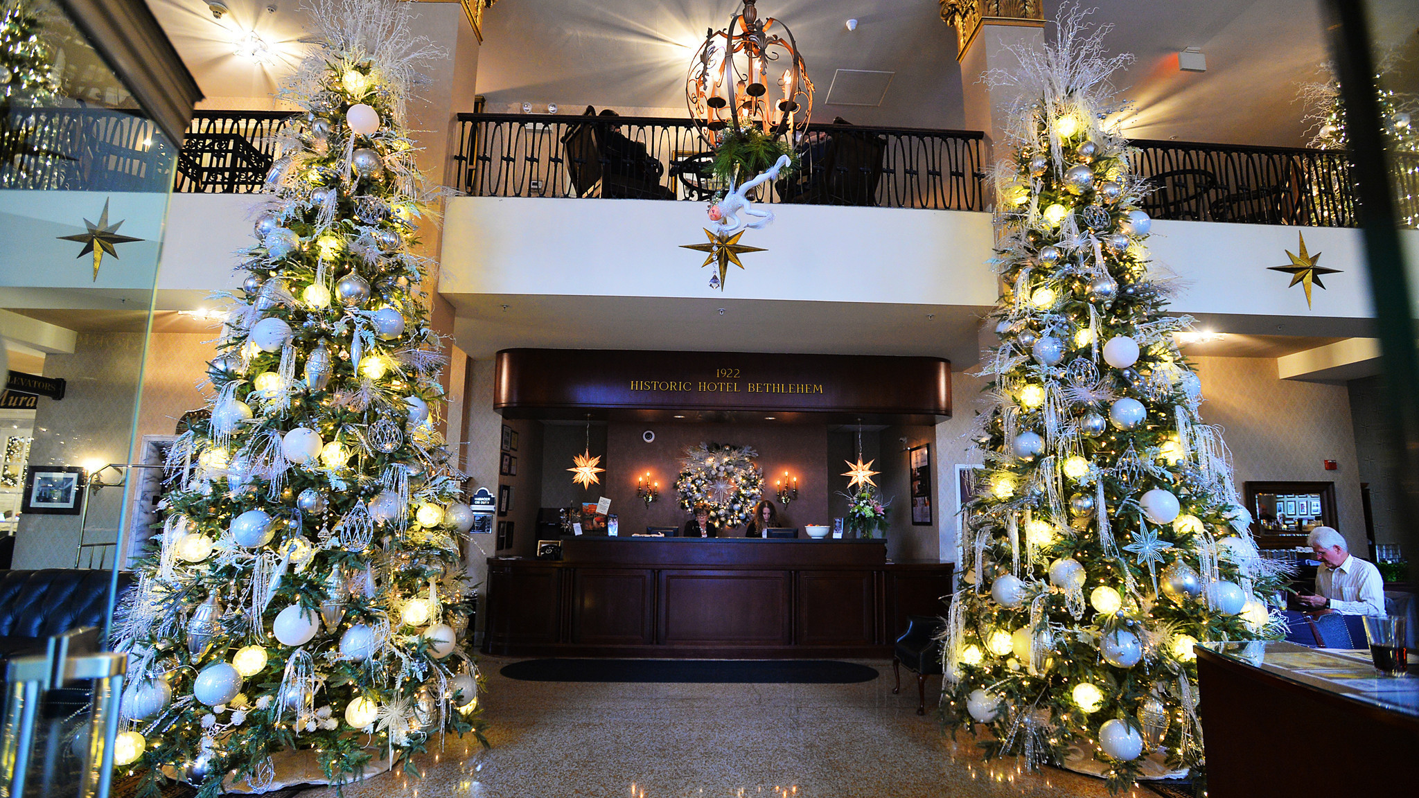 Pictures christmas at historic hotel bethlehem the for 1741 on the terrace bethlehem pa