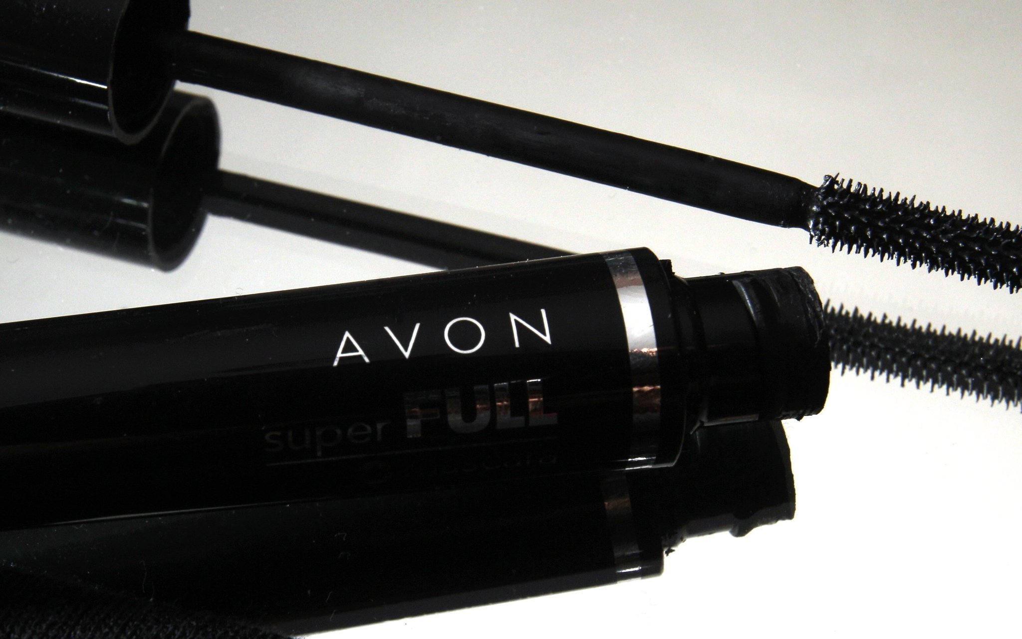 Cerberus taking a majority stake in Avon's North American unit