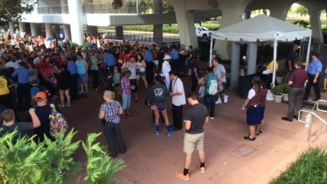 Pictures: Metal detectors at Orlando theme parks