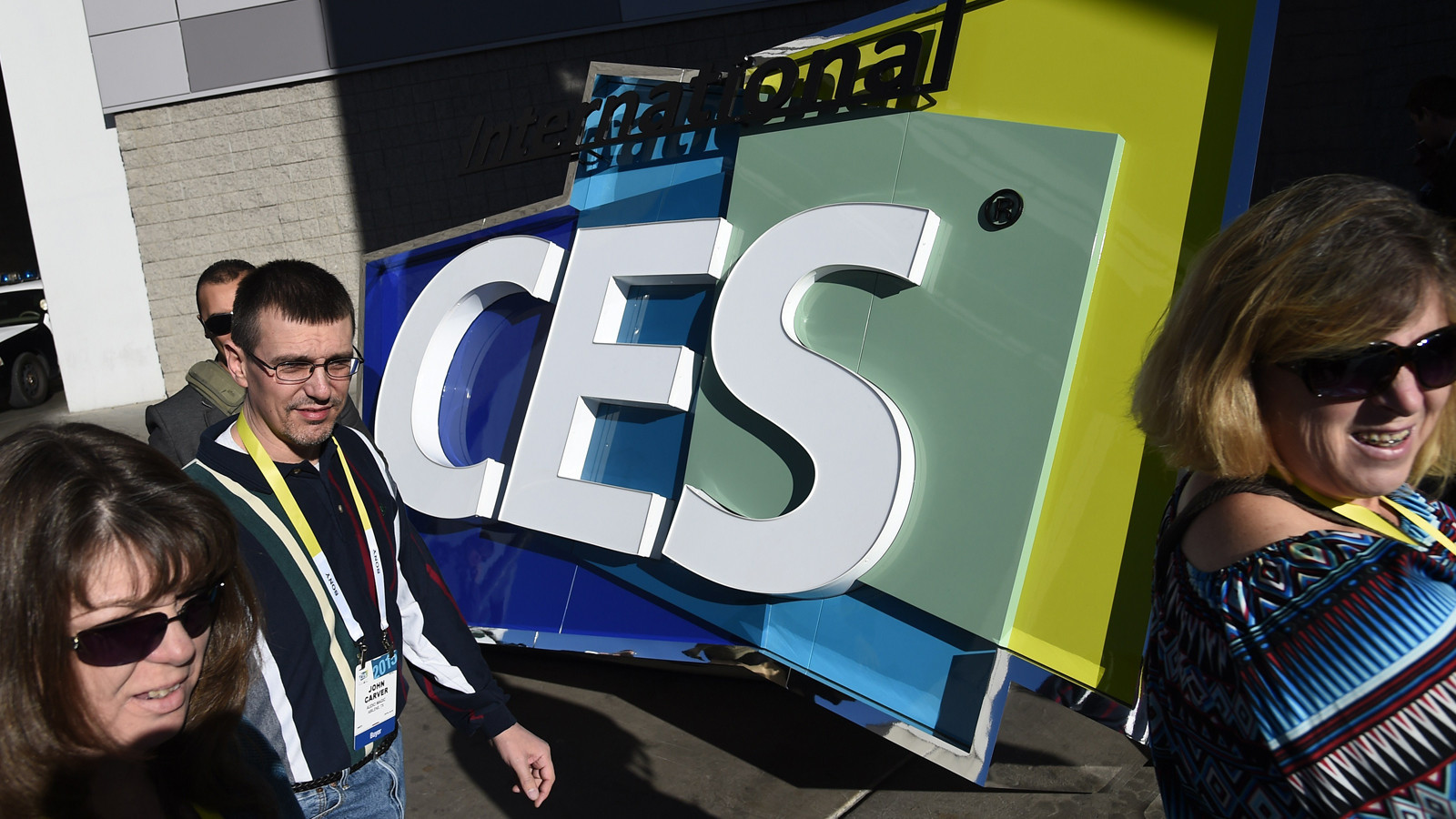 CES increases security, bans rollerbags for 2016 electronics show