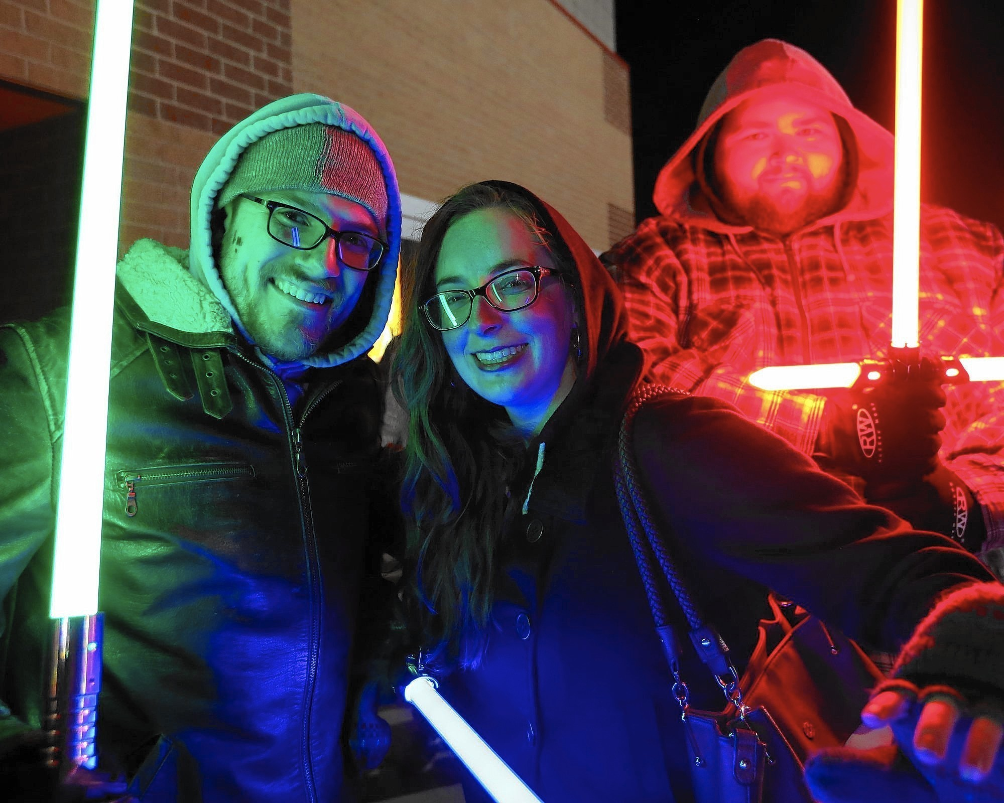 Southland 39 Star Wars 39 Fans Turn Out In Force For New Flick