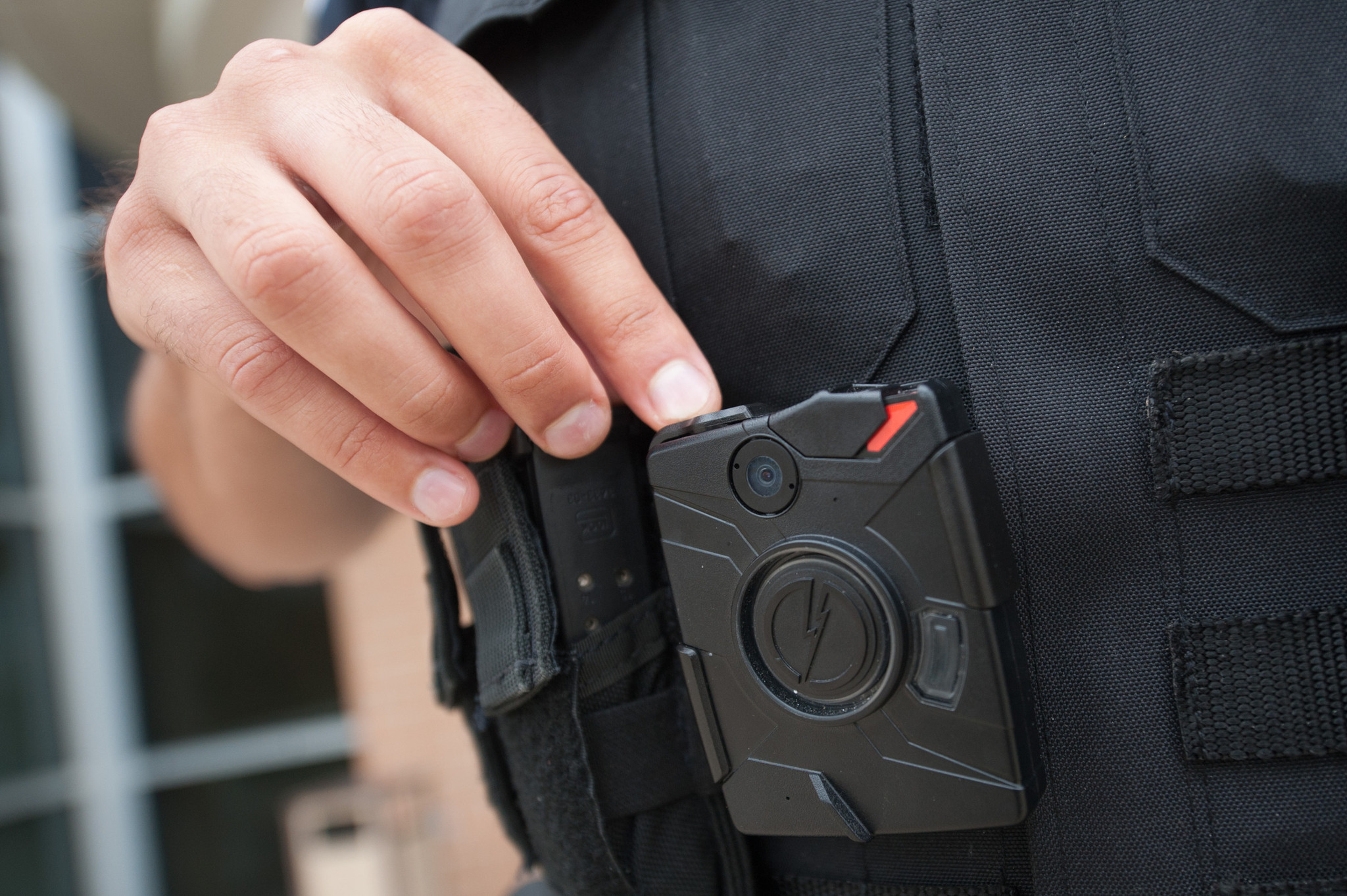 More Chicago police officers to wear body cameras