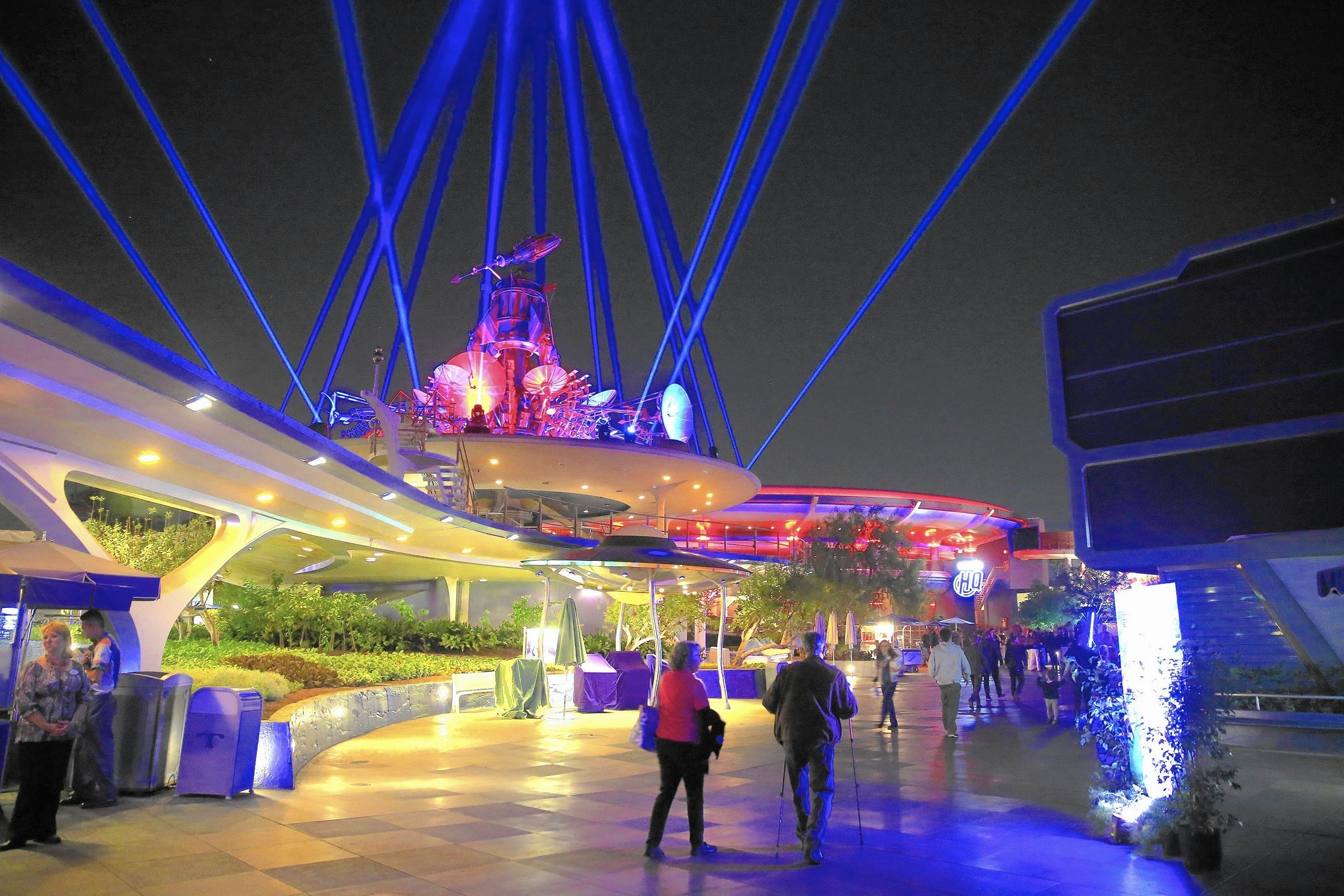 Disneyland to close some attractions to build star wars land la times