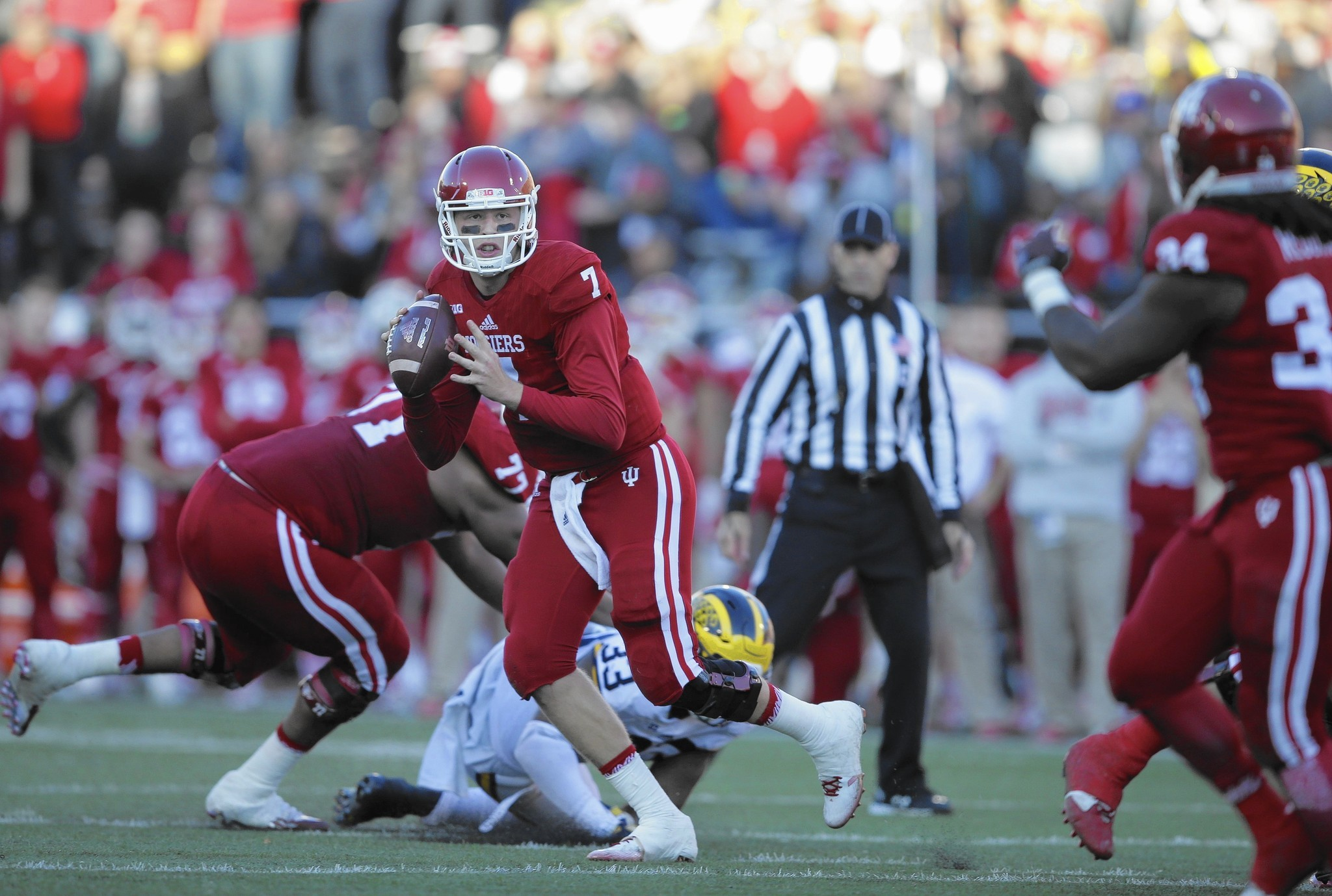 Nate Sudfeld rises to challenge, leads Indiana's push to Pinstripe Bowl