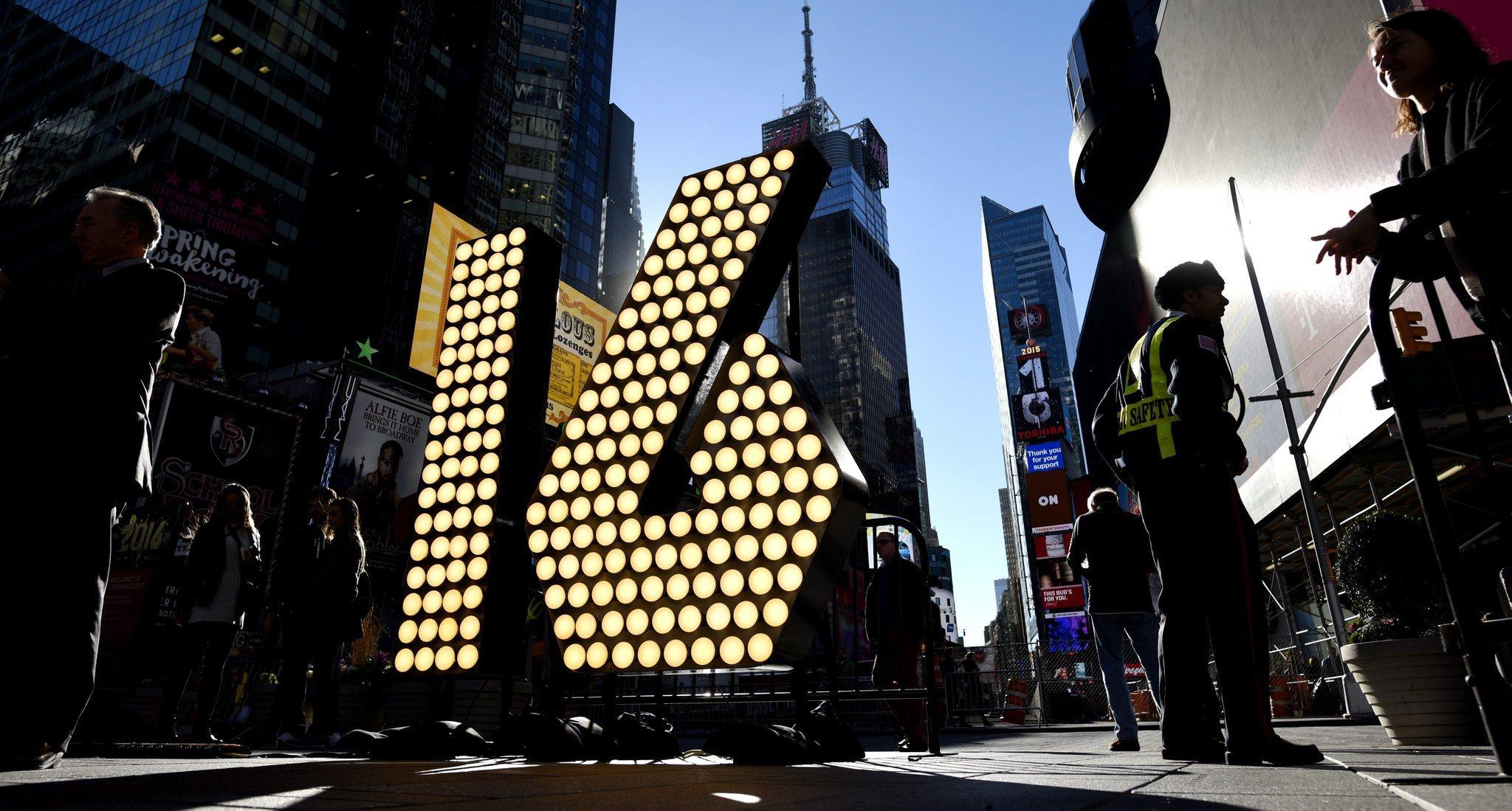 2016年纽约时报广场跨年夜交通信息一览 6千警员现场维安 - 纽约文摘 - 纽约文摘