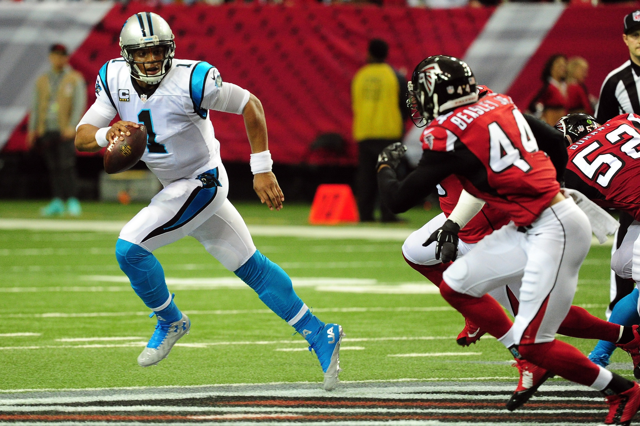 Ct-panthers-lose-falcons-20151227