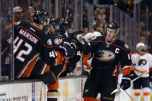 Ryan Getzlaf Has An Icebreaker In Ducks' 4-2 Win Over The Philadelphia Flyers