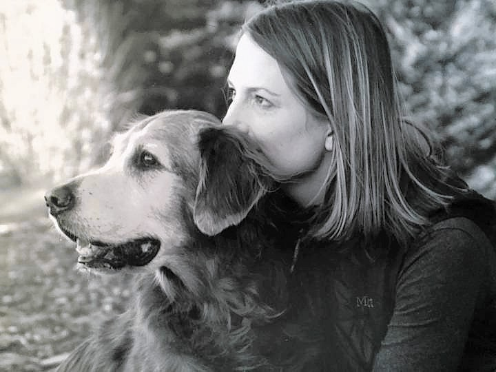 Pets as therapists: Exploring emotional benefits of dogs, cats