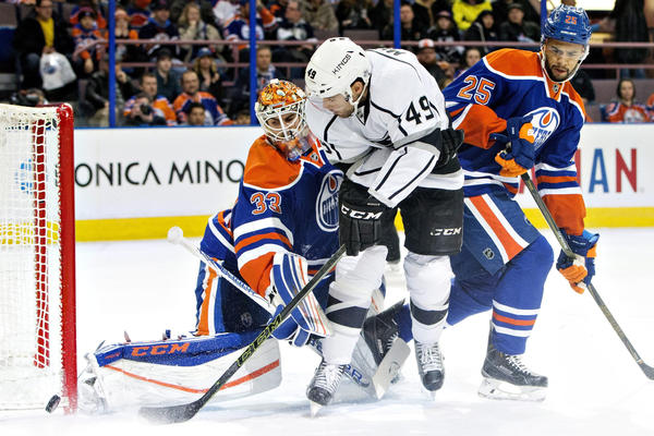 Second Period Scoring Burst Sends Kings To 5-2 Win Over Oilers
