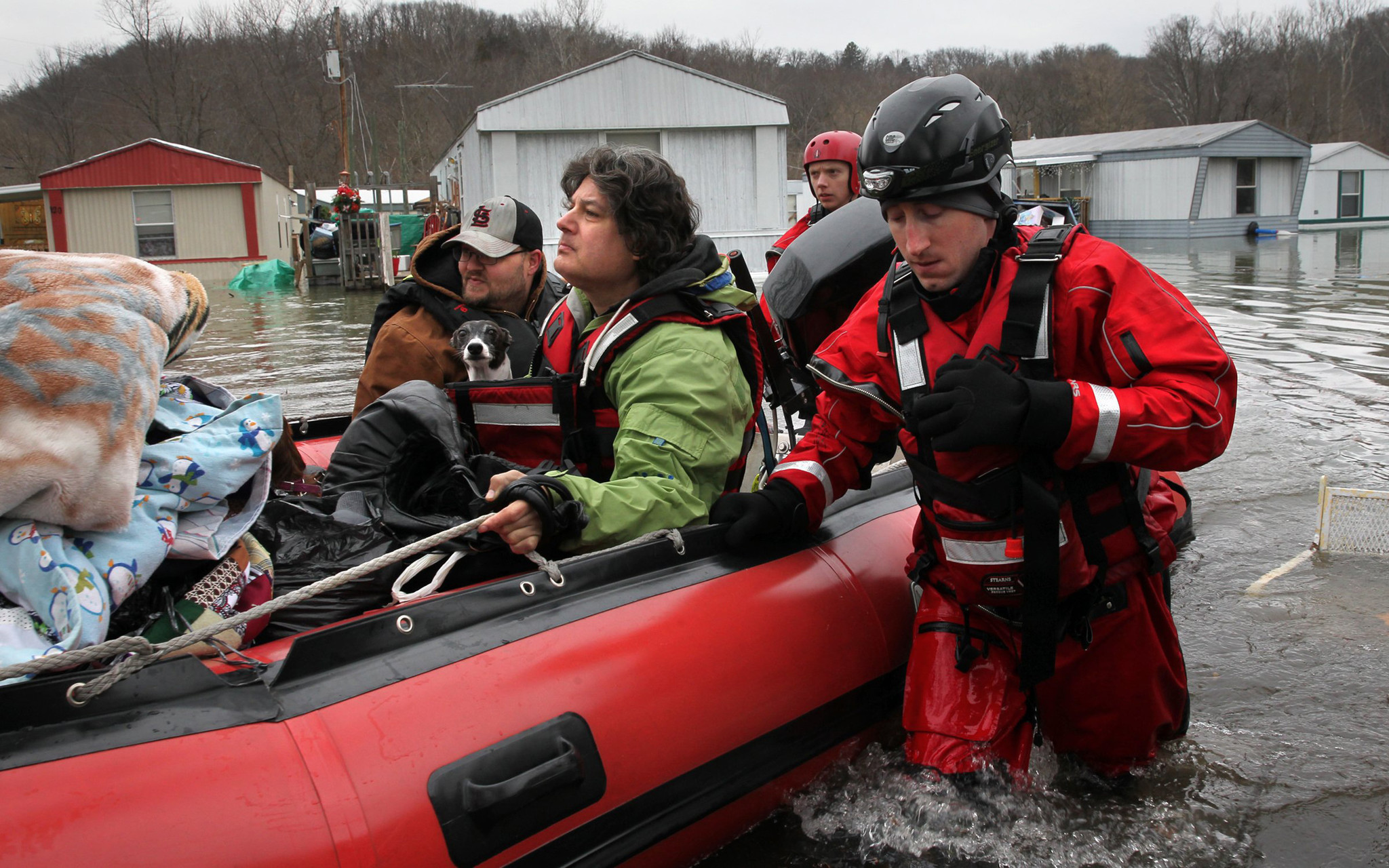 Midwest floods: Rauner activates National Guard; body of missing Illinois teen found