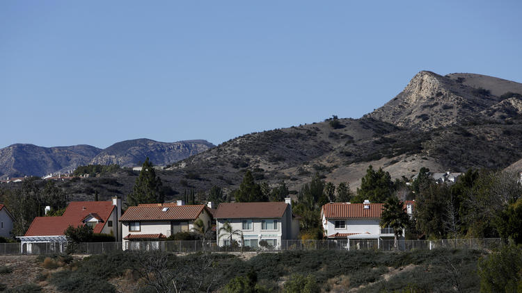 A neighborhood in Porter Ranch. Gov. Jerry Brown visited with residents in the neighborhood, where fumes from a Southern California Gas Co. well have sickened people and forced the relocation of families. (Katie Falkenberg / Los Angeles Times)