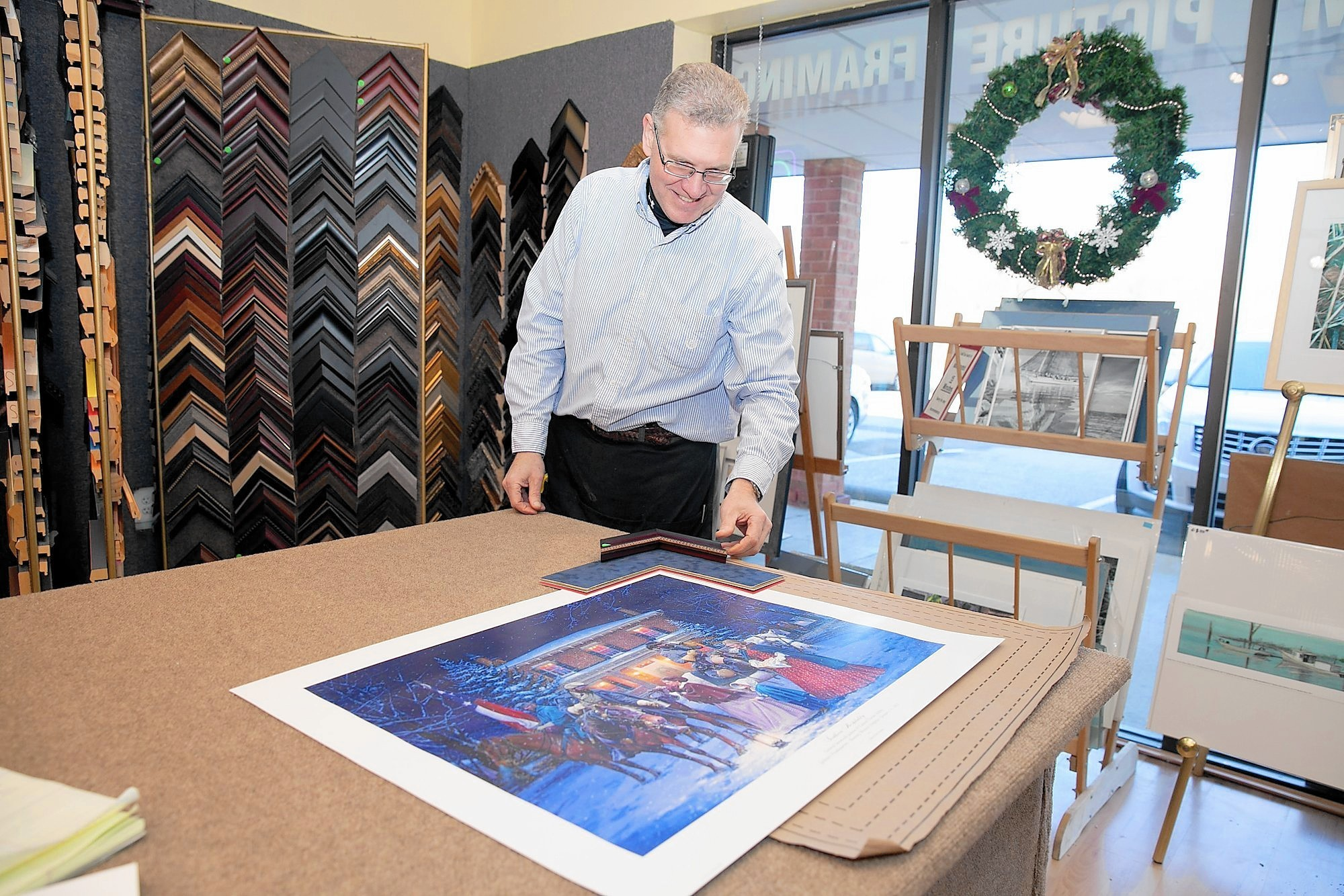 Around Pasadena: Hynson finds home in family frame business ...
