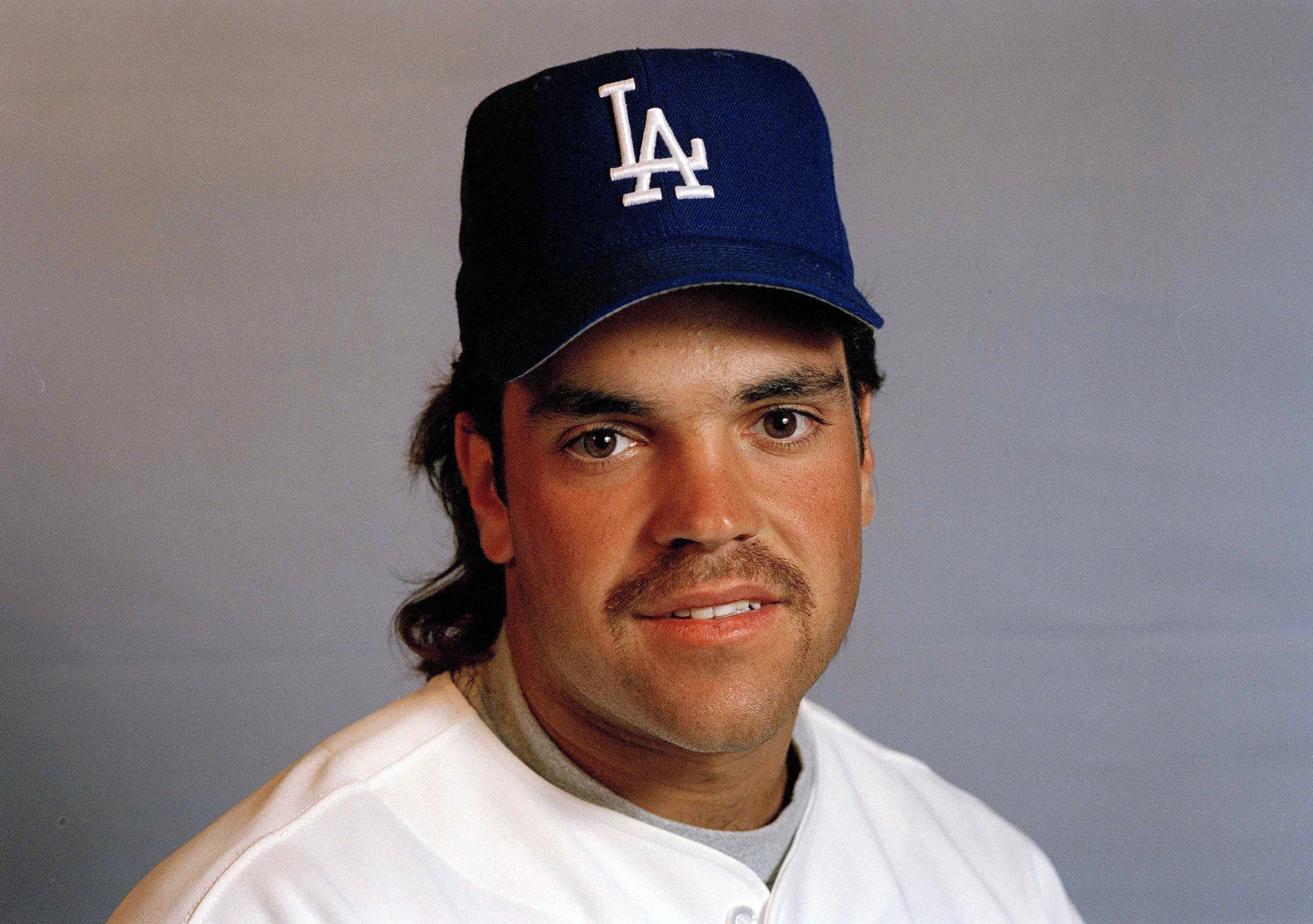 Mike Piazza has made it hard for Dodgers fans to share his happiness - LA Times