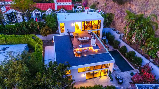 Kendall Jenner sells modern Hollywood Hills mansion for 685