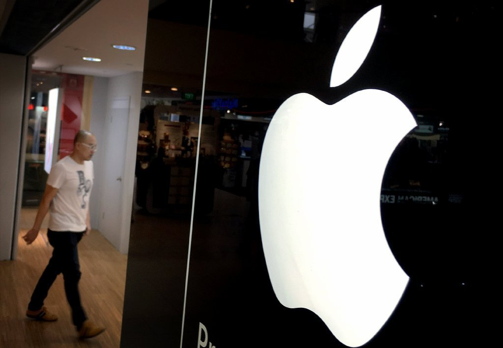 Apple has lost $52 billion in market value in 2016