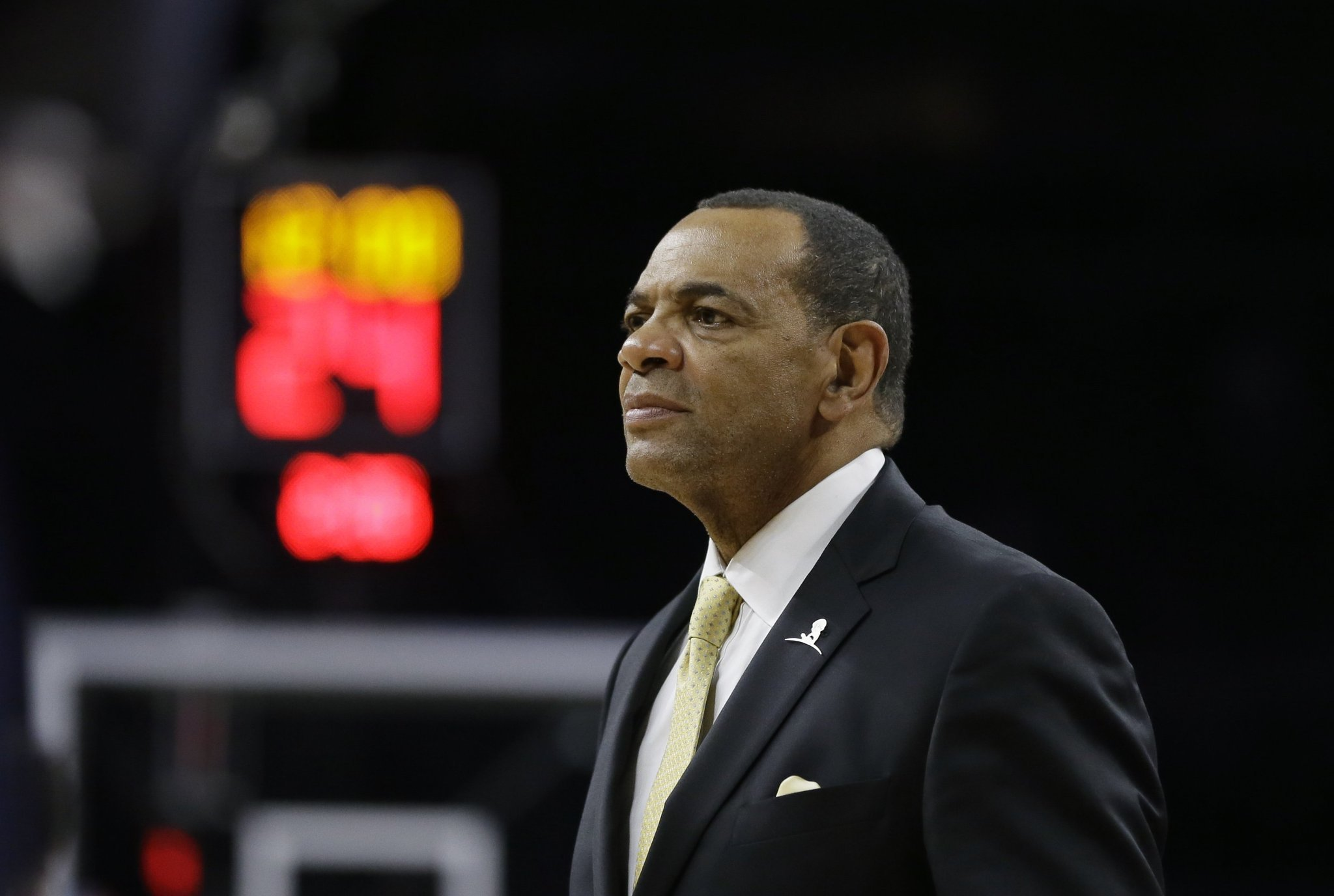 Nets fire coach Lionel Hollins, reassign GM Billy King