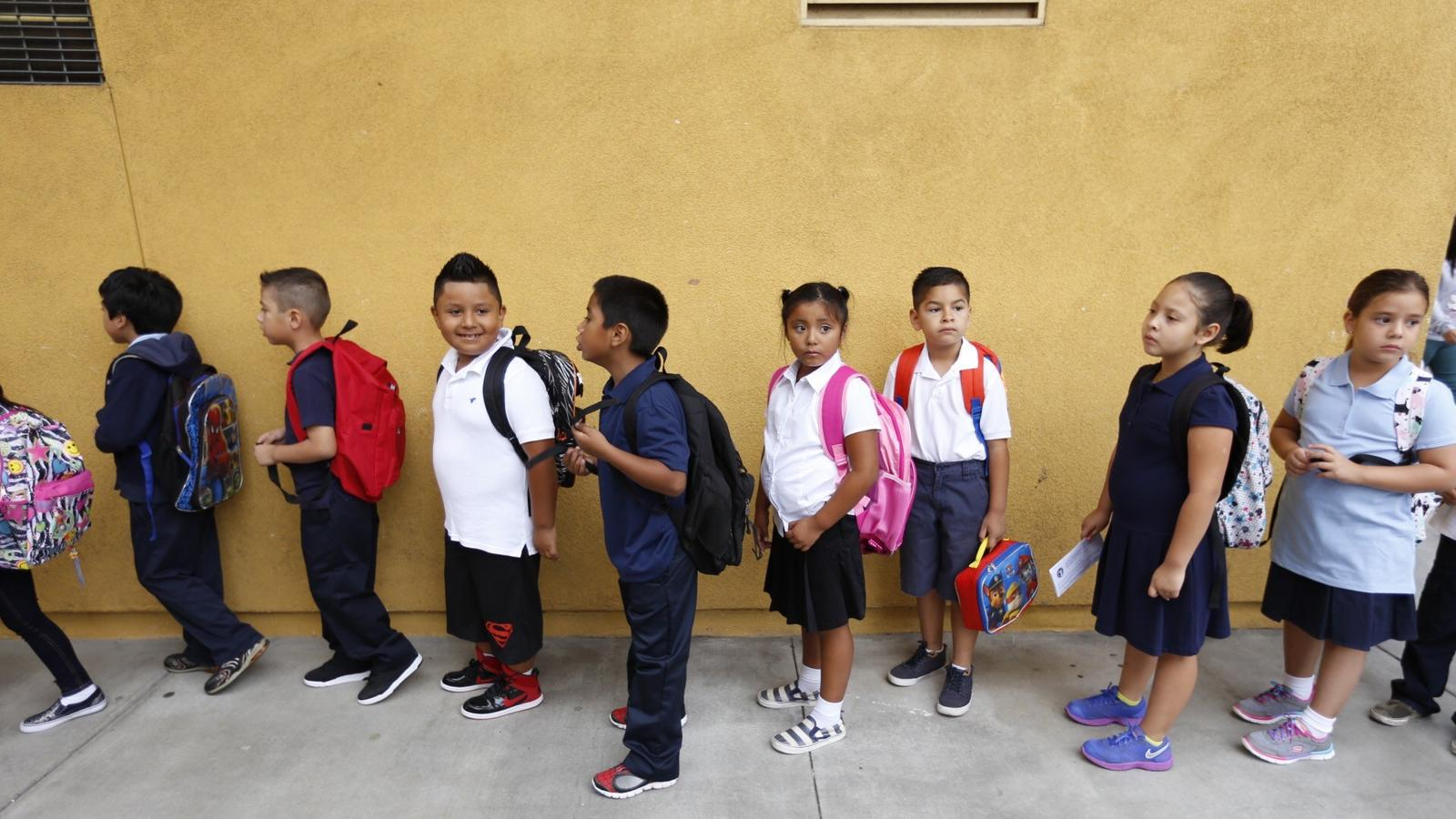 First-grade students at Vine Street Elementary School in Hollywood. (Al Seib / Los Angeles Times)