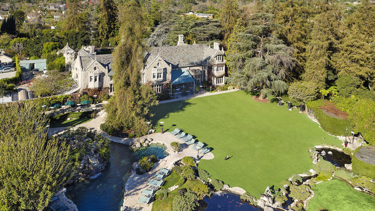 http://www.trbimg.com/img-56940497/turbine/la-fi-hotprop-playboy-mansion-for-sale-2016011-002/750/750x422