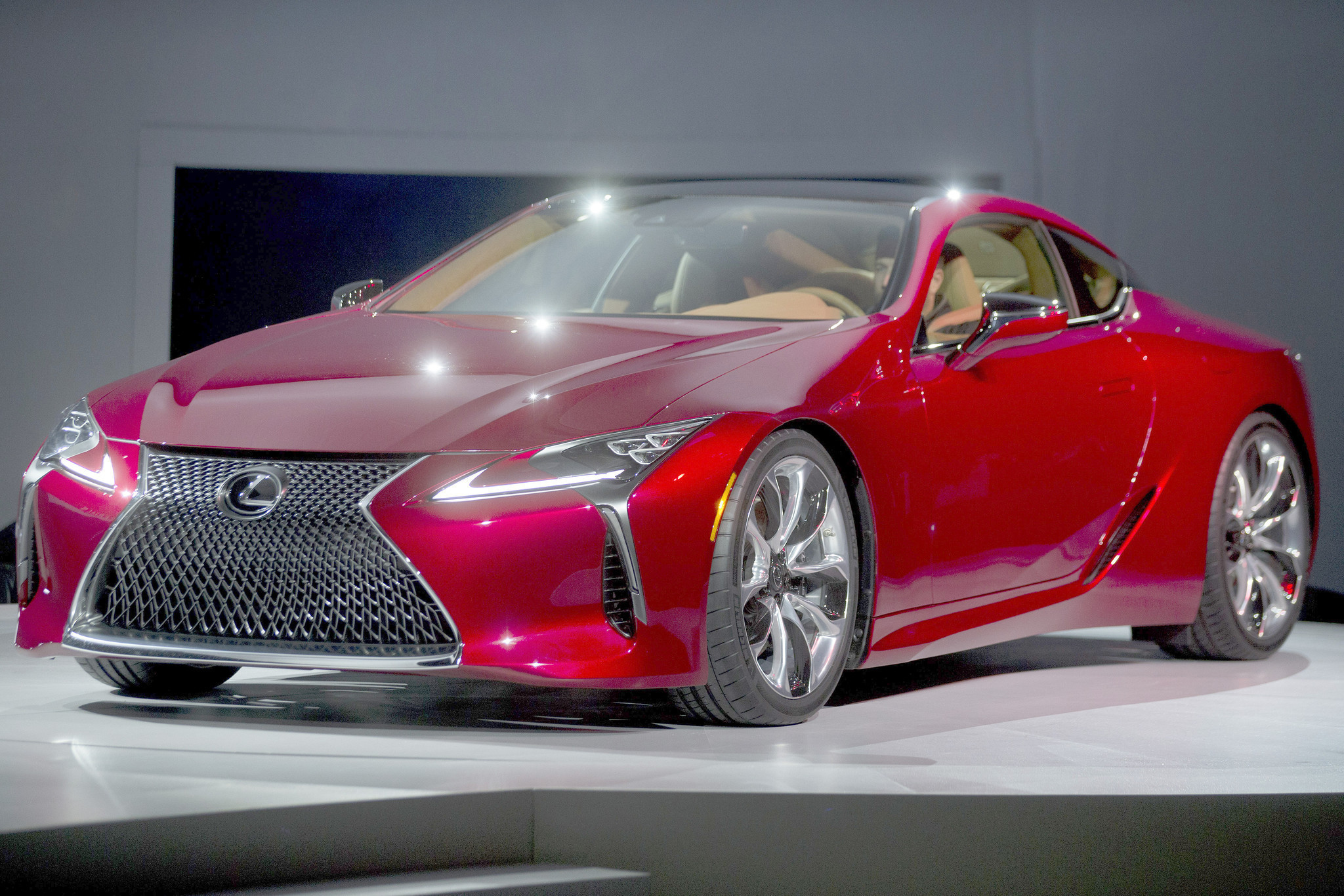 lexus unveils high powered lc 500 sports coupe chicago tribune. Black Bedroom Furniture Sets. Home Design Ideas
