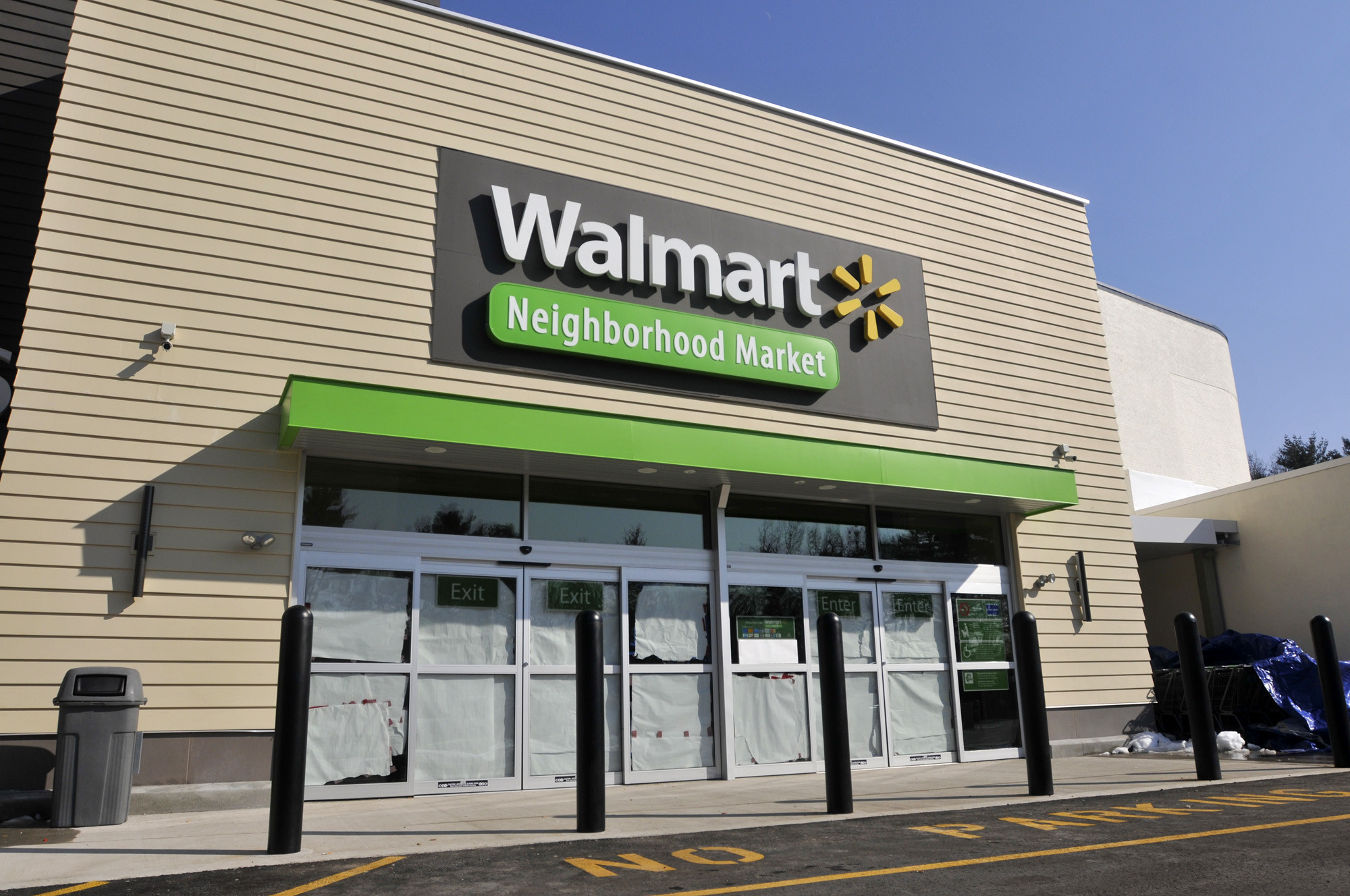 wal mart closing neighborhood market in west hartford 153 other stores in us hartford courant