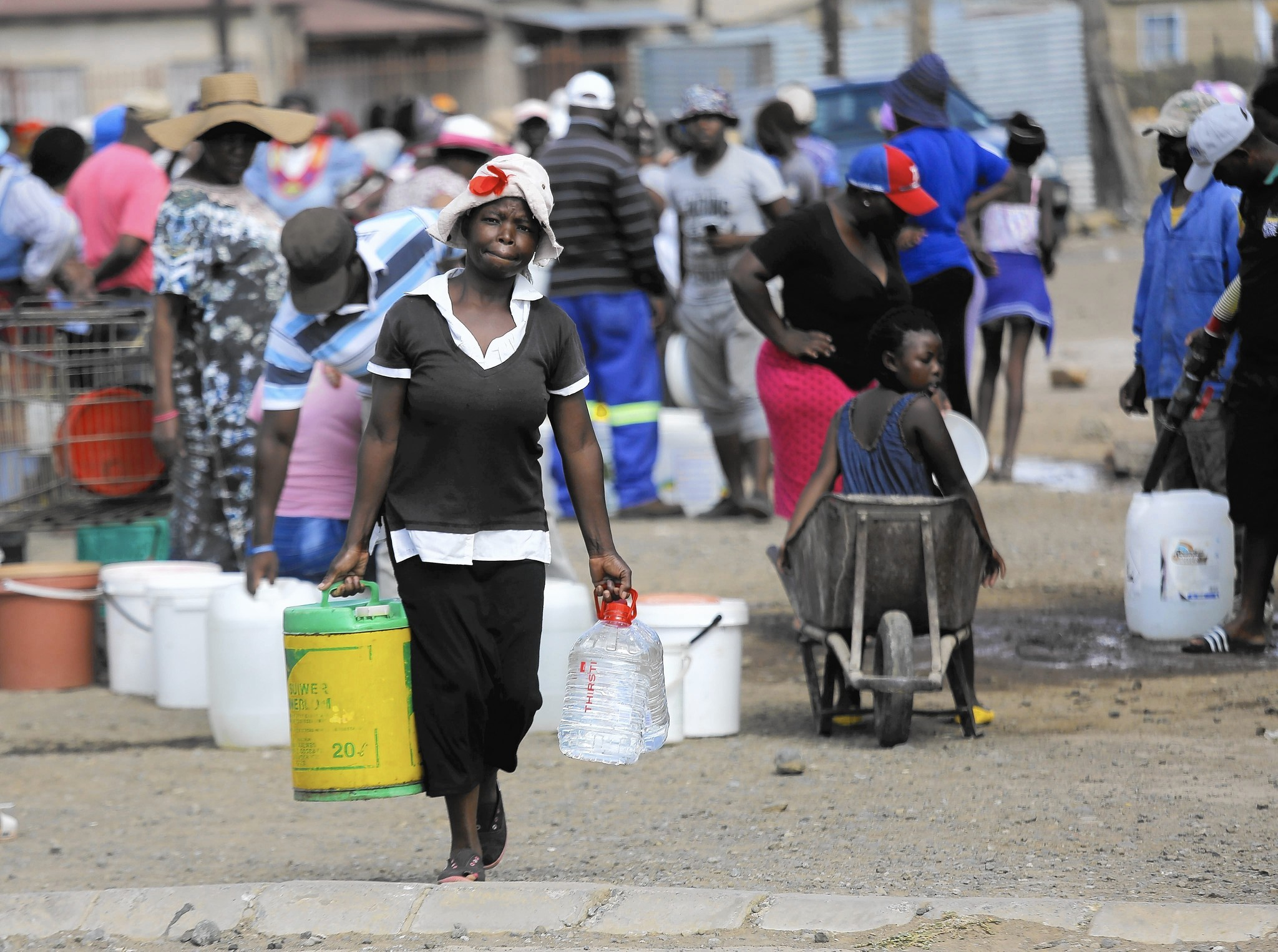 In South Africa, volunteer water deliveries bring relief to drought areas