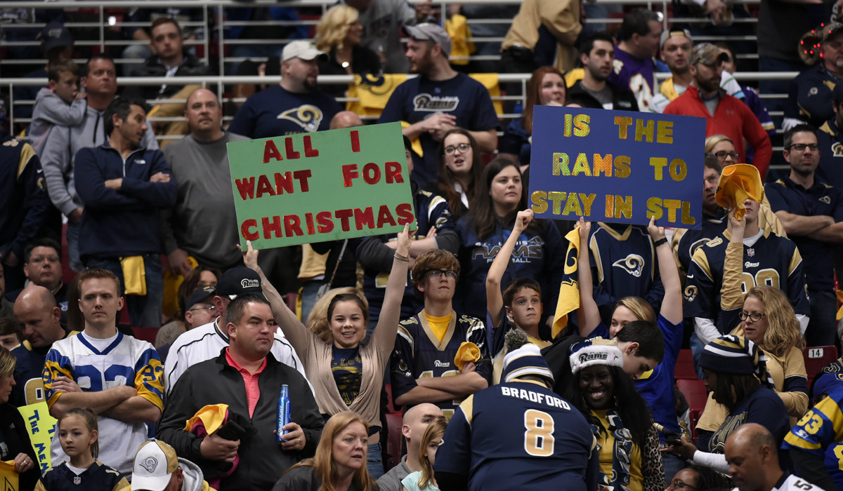 Missouri Suit Says Fans Of L A Bound Rams Should Keep The