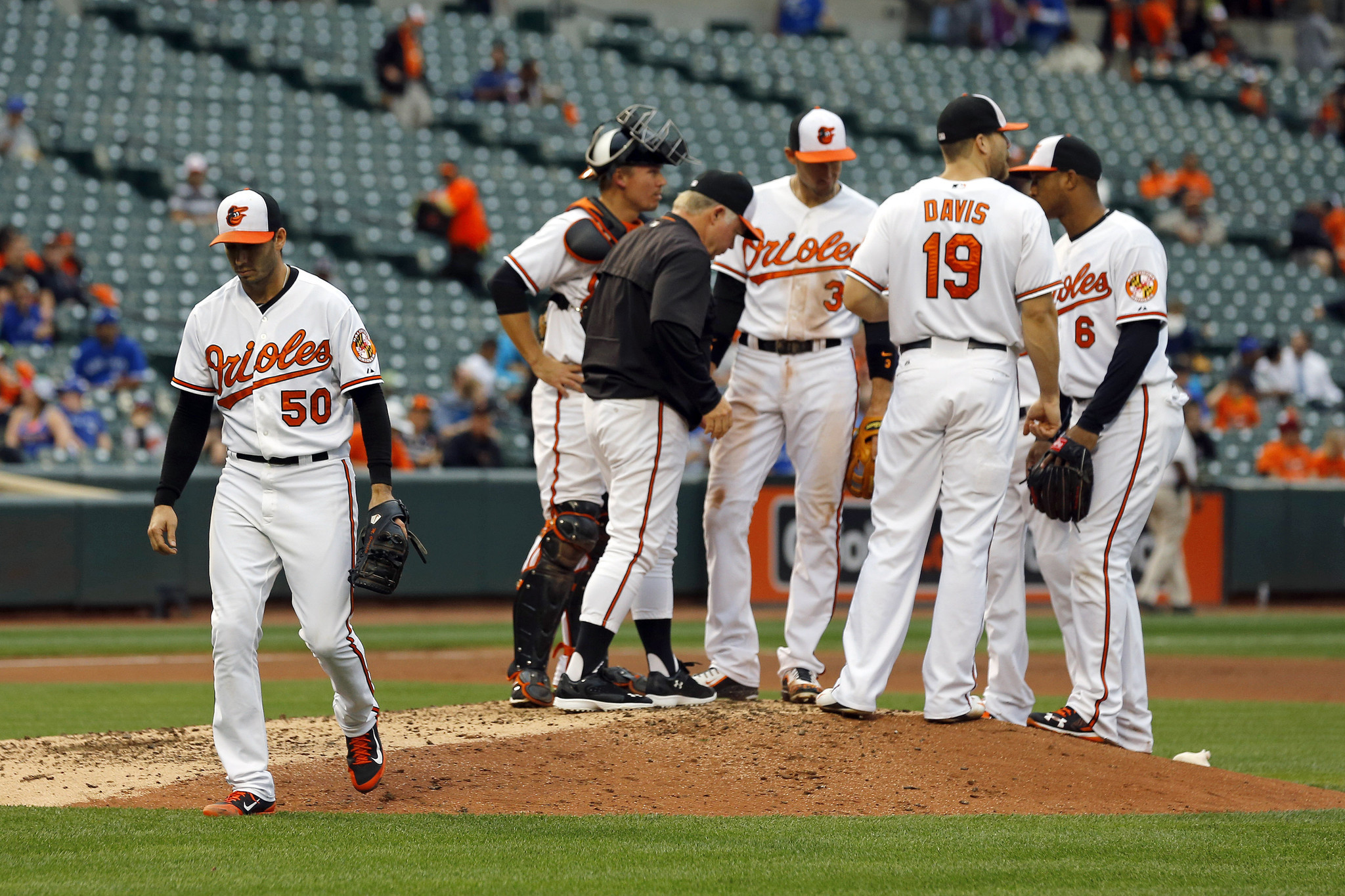 Bal-with-chris-davis-locked-up-orioles-still-cognizant-of-pitching-staff-needs-20160121