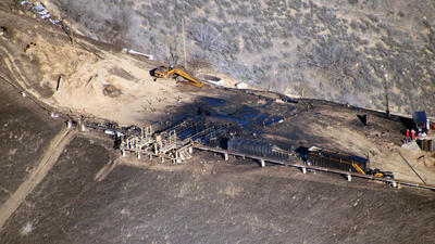 Regulators order new steps to contain gas leak near Porter Ranch