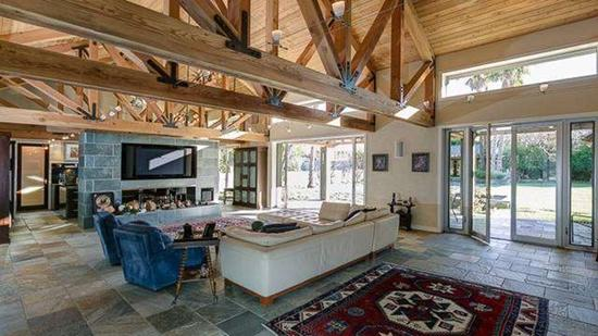 Hot Property | Megan Fox and Brian Austin Green's ranch house in Toluca Lake