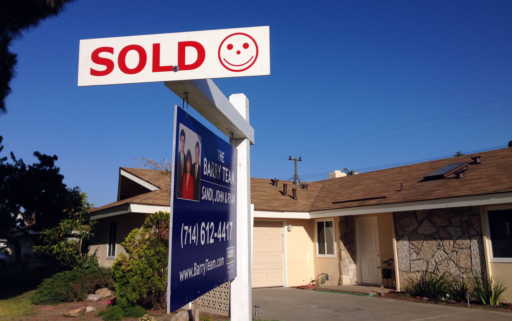 Home prices jump in l a and orange counties and soar for House prices in los angeles ca