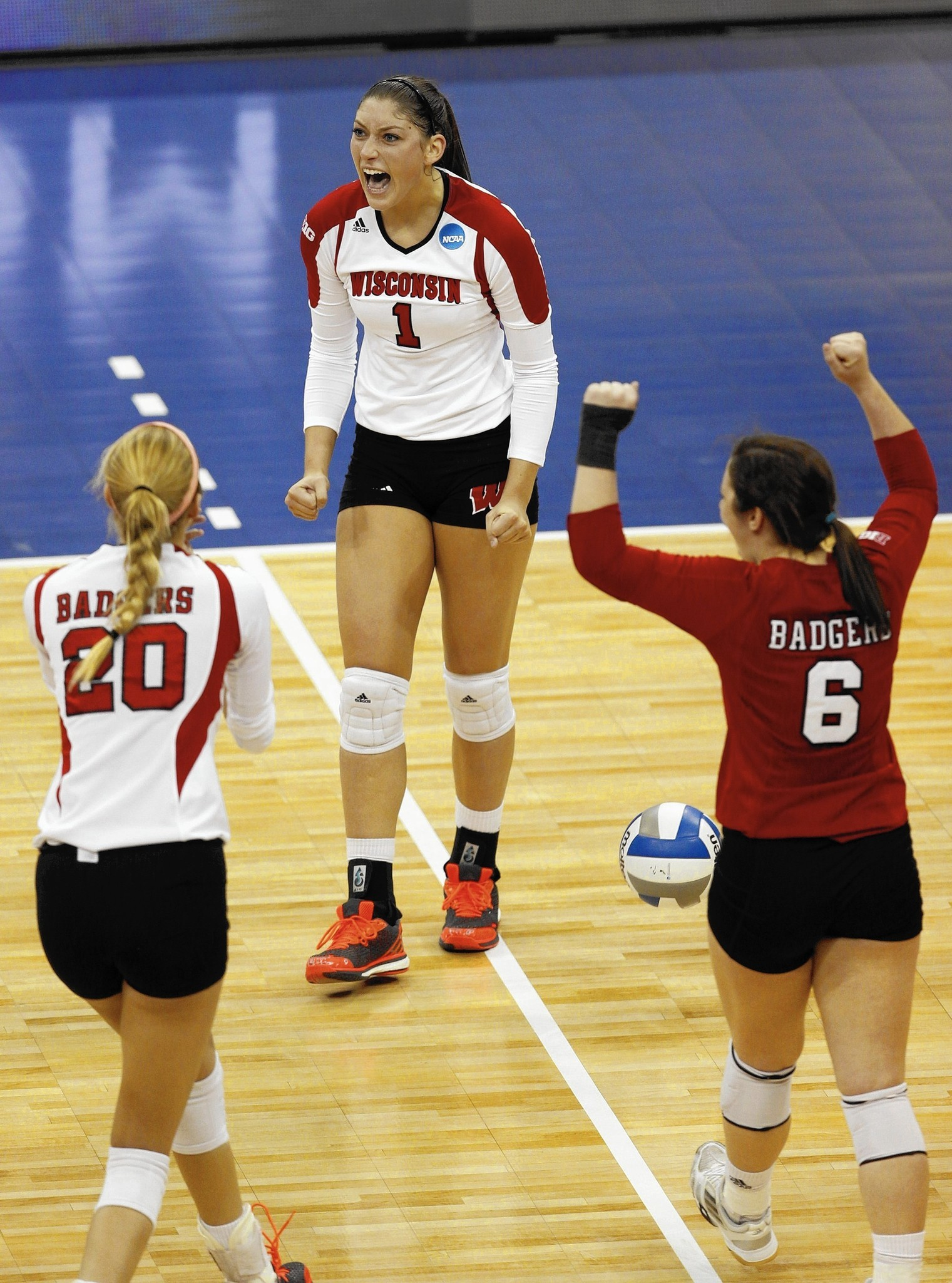 Three-time volleyball All-American Lauren Carlini eyes national title