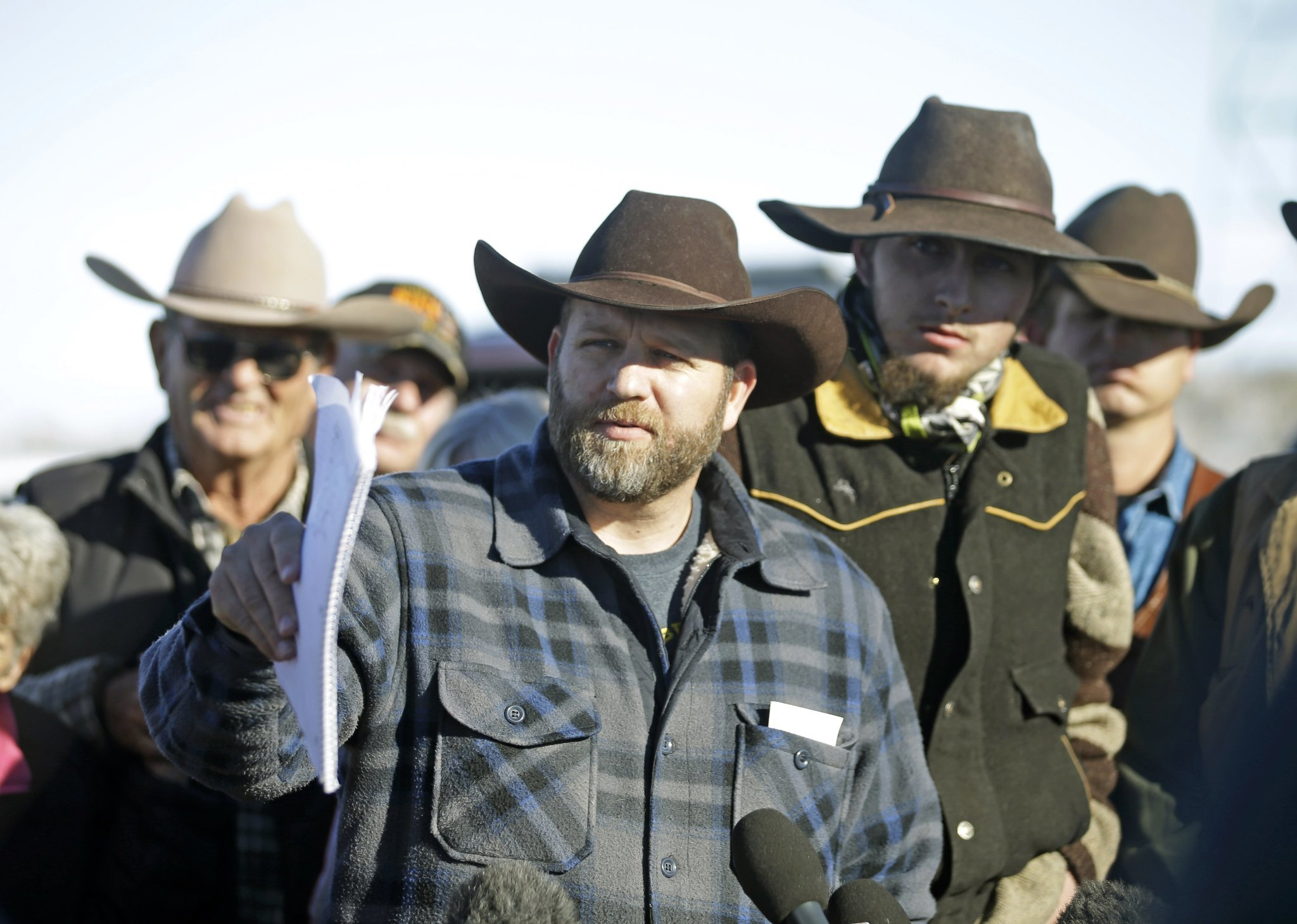 Oregon occupation spokesman reportedly killed, eight other protesters arrested