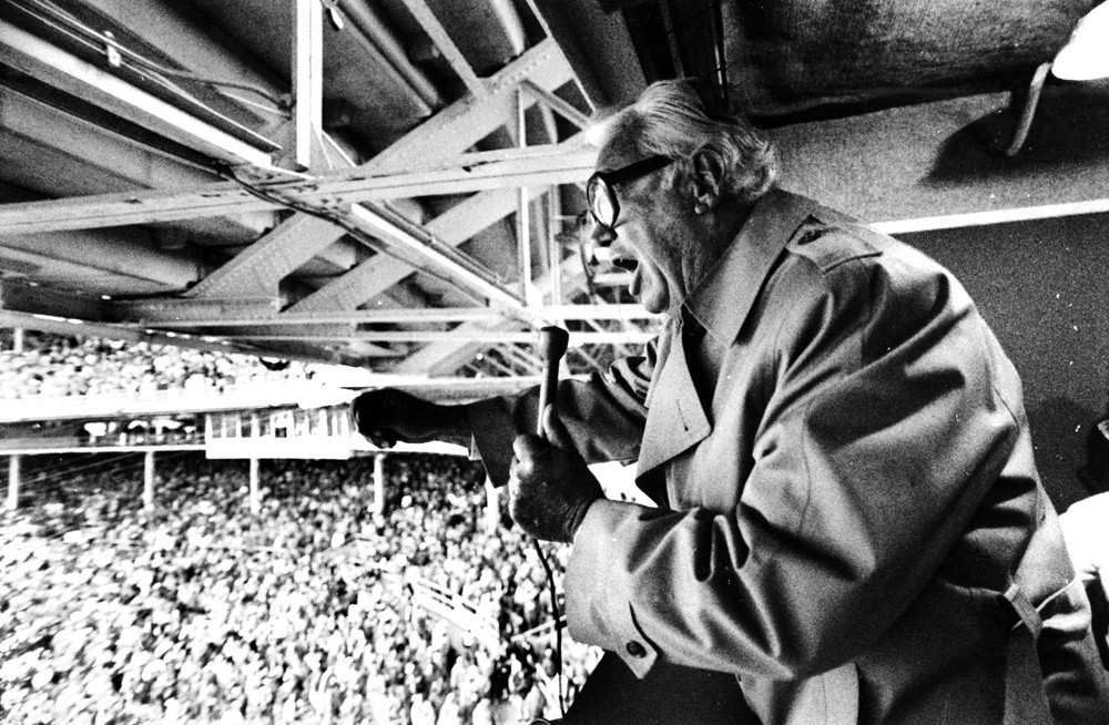 Ct-cubs-harry-caray-documentary-20160127