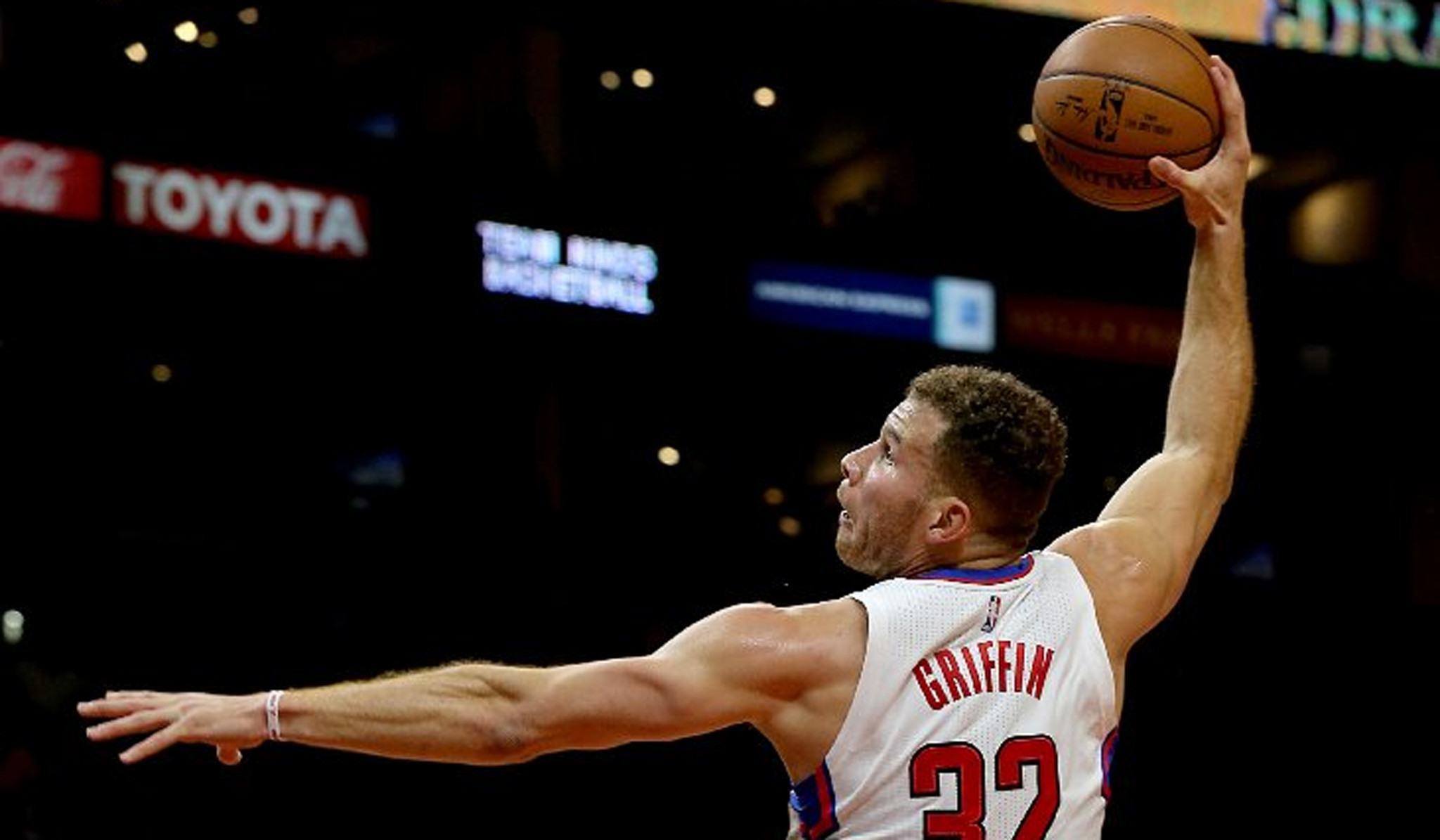 La clippers the impact of blake griffins surgery on the team foxsports com - Clippers Blake Griffin Could Be Back Sooner According To Doctor La Times