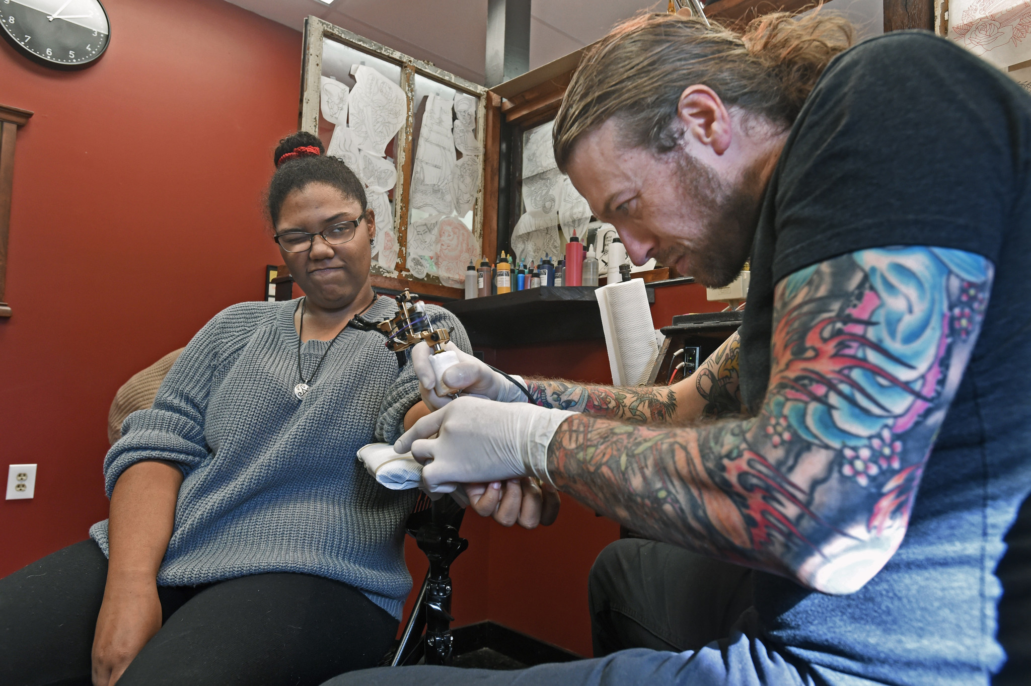 BARCS supporters get inked at Baltimore Tattoo Museum - Baltimore Sun