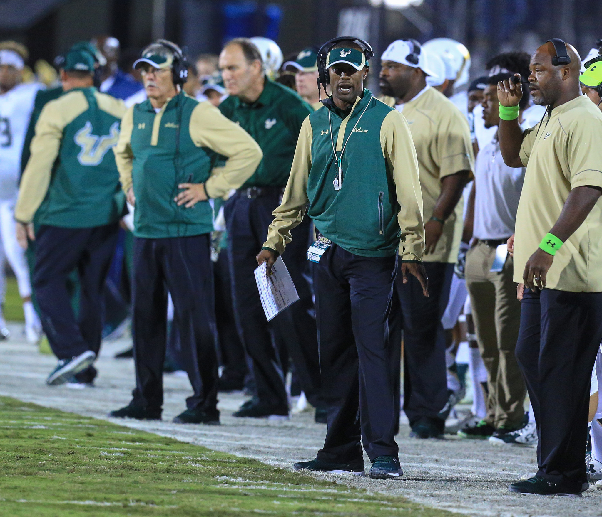 Os-usf-willie-taggart-0201-20160131