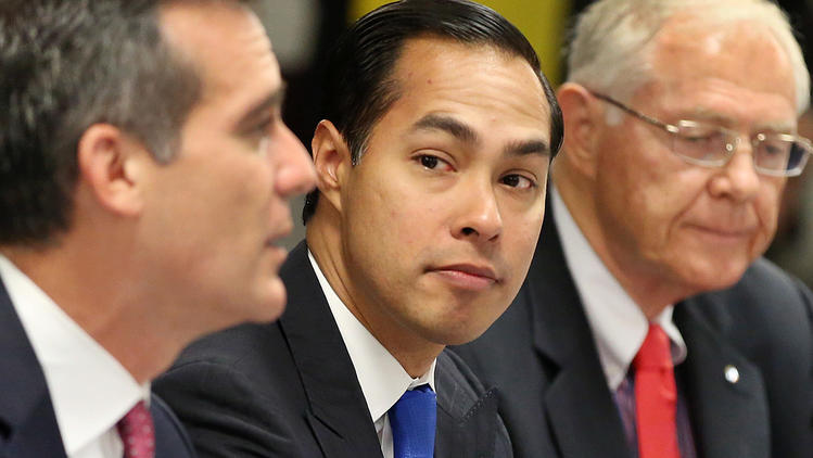 L.A. Mayor Eric Garcetti, U.S. Housing and Urban Development Secretary Julian Castro and L.A. County Supervisor Michael D. Antonovich meet last October to discuss homelessness. (Los Angeles Times)