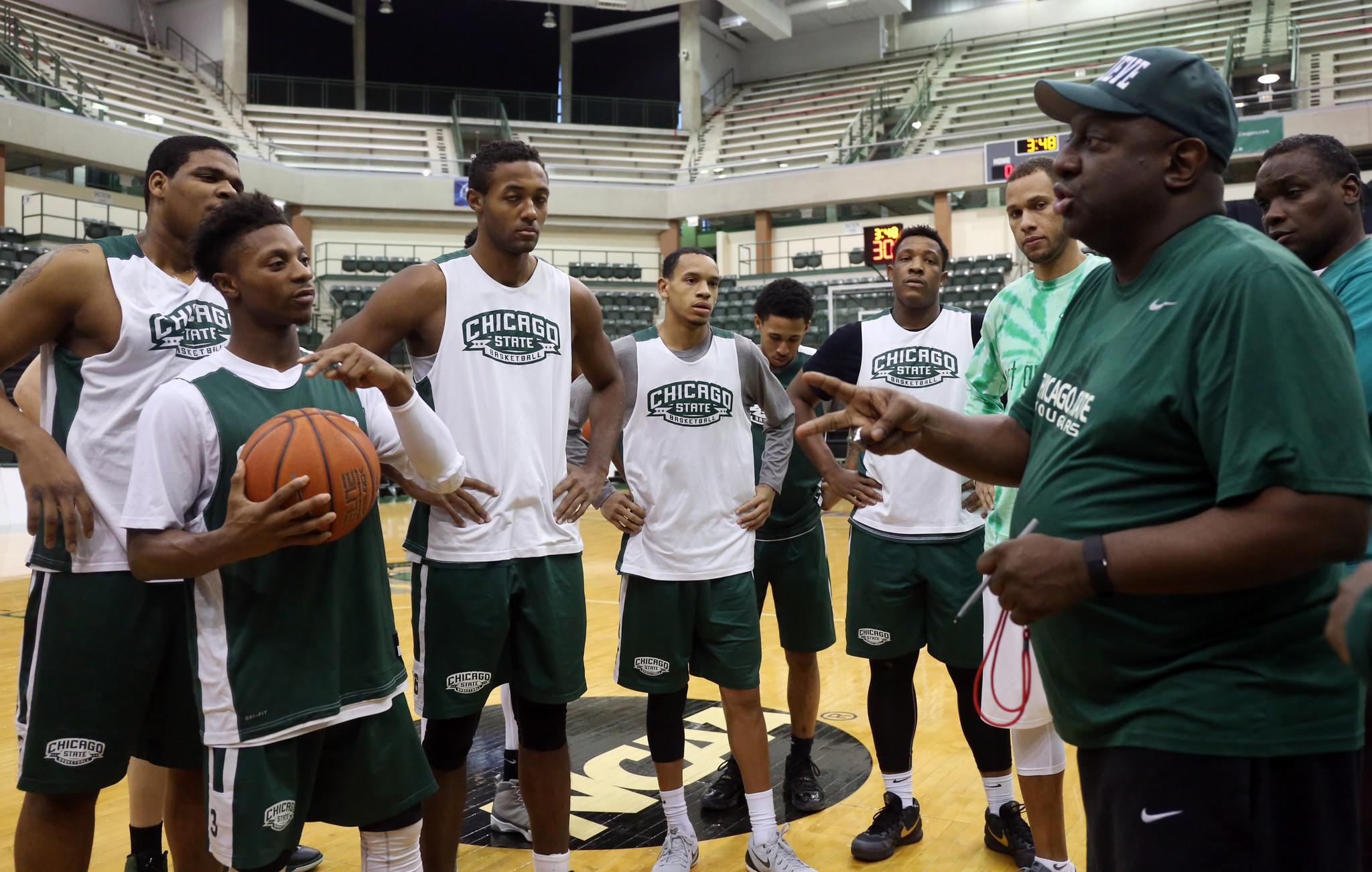 Ct-chicago-state-basketball-budget-debate-spt-0203-20160202