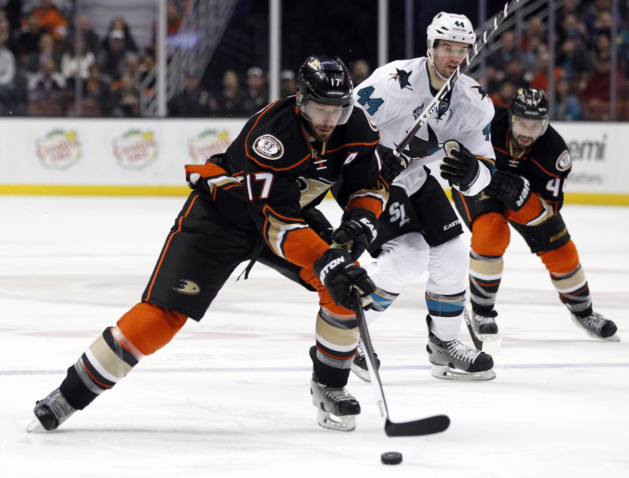 La-sp-ducks-sharks-20160203