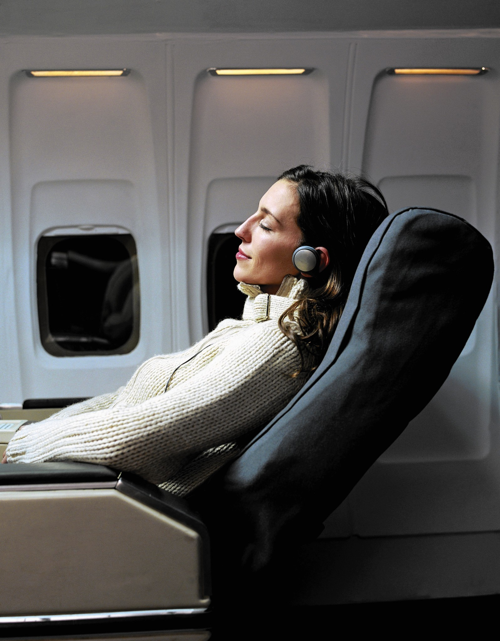 Long-distance flight in your future? Here's the pro checklist for comfort in the air