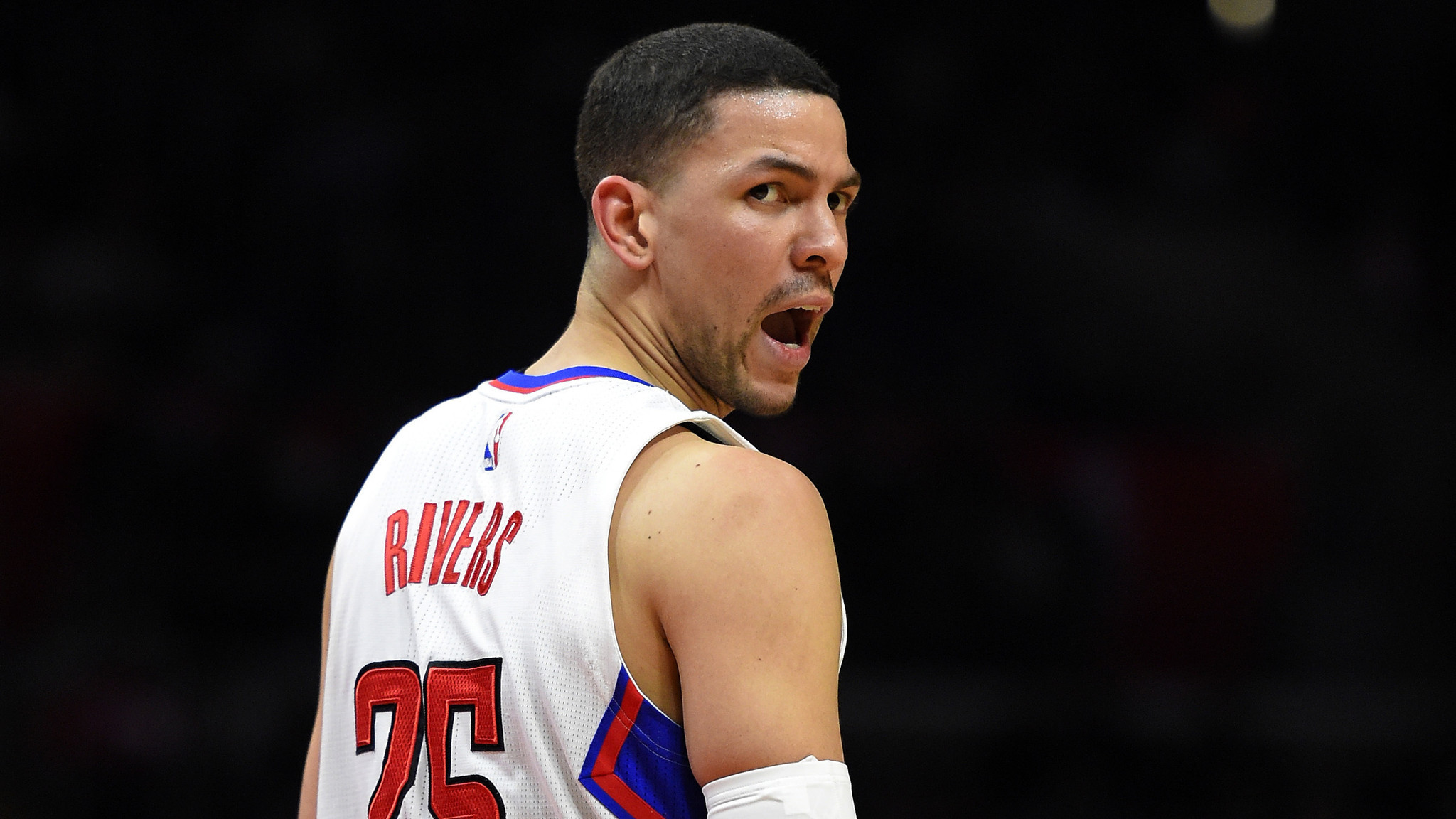La-sp-cn-clippers-austin-rivers-broken-hand-20160207
