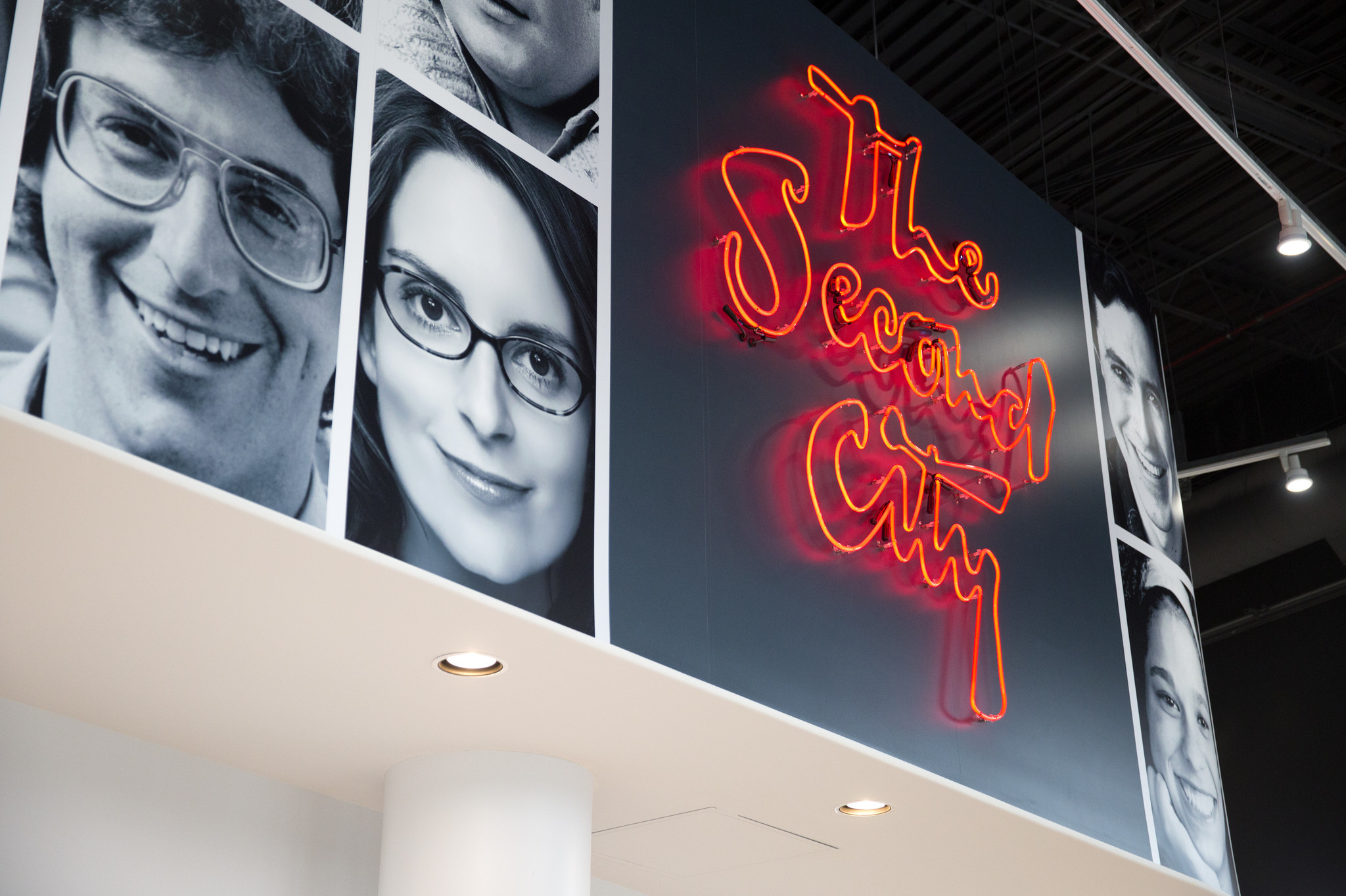 Second City to open Harold Ramis Film School, a first for comedy moviemaking - Chicago Tribune