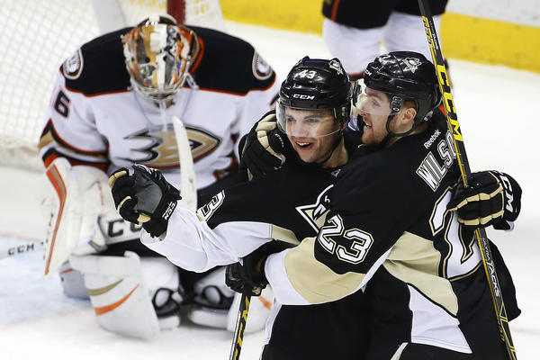 Ducks Can't Contain Sidney Crosby In 6-2 Loss To Penguins