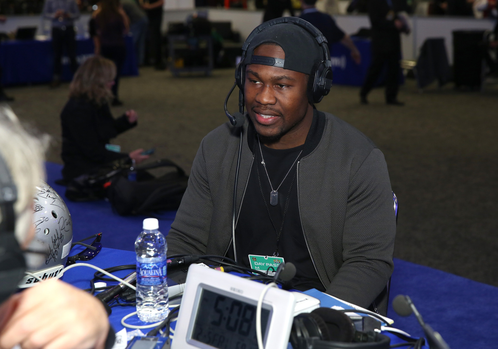 Bal-justin-forsett-torrey-smith-headed-to-flint-mich-to-help-with-water-crisis-20160209