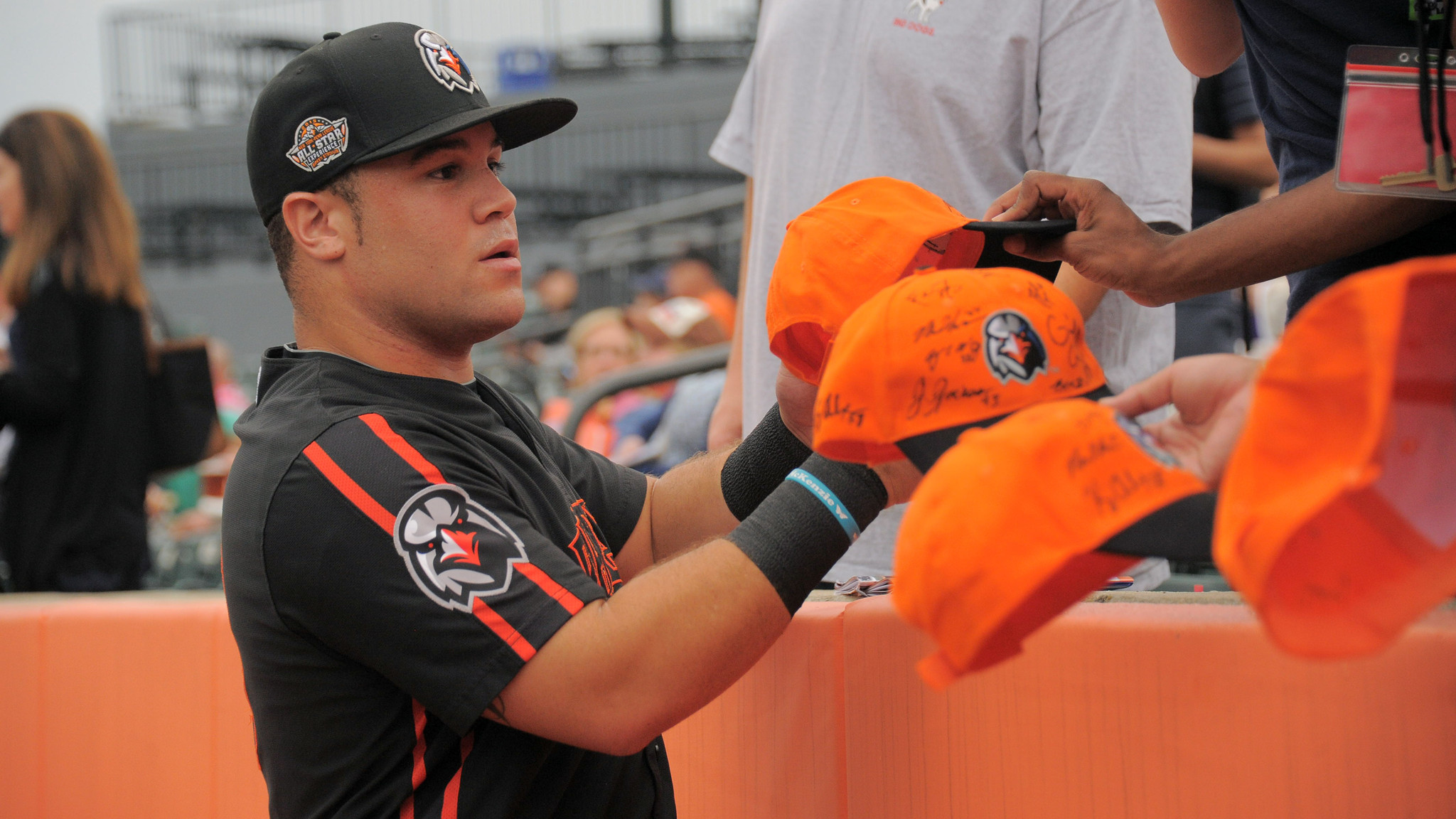 Bal-baltimore-orioles-farm-system-earns-low-rankings-as-team-debates-keeping-picks-or-signing-free-agent-20160211