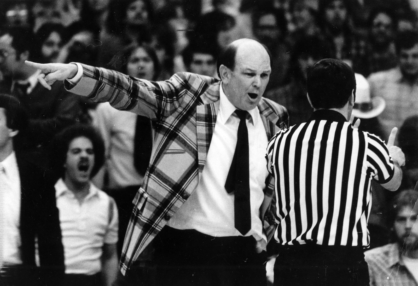 Bal-lefty-driesell-named-finalist-for-naismith-memorial-hall-of-fame-20160212