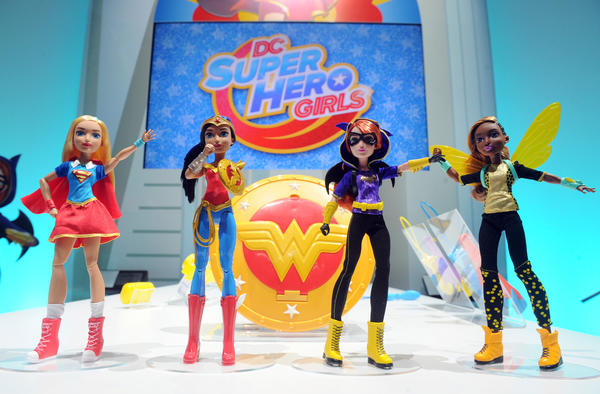 Toy industry bets on Hollywood superheroes and 'Star Wars' to drive 2016 sales