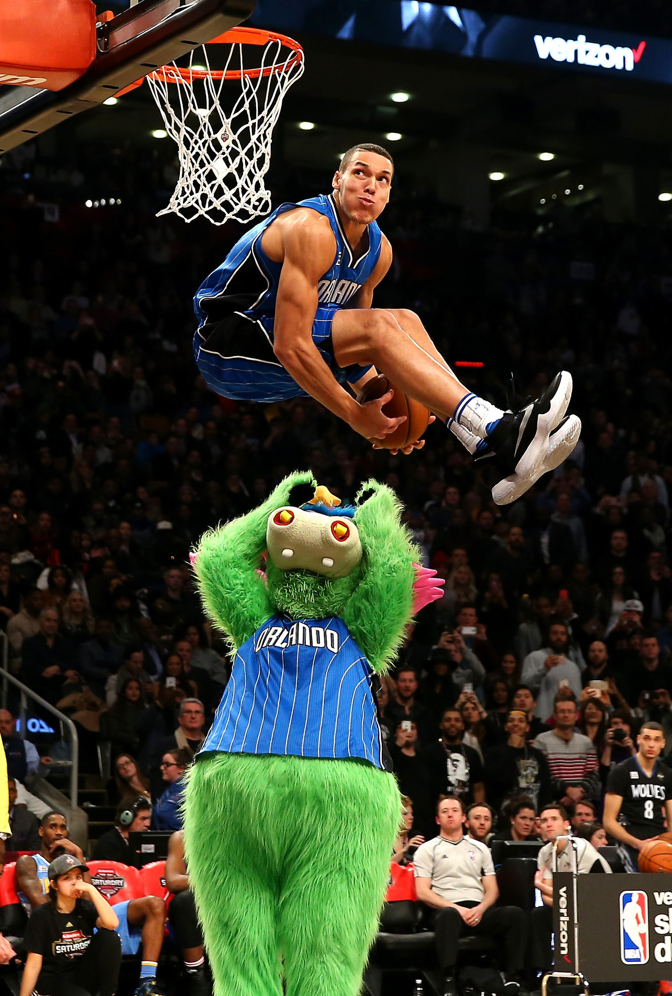 Watch Aaron Gordon and Zach LaVine revive the NBA All-Star dunk contest - LA Times