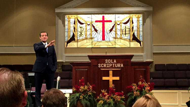 Sen. Ted Cruz shares his testimony and thoughts with the congregation at Community Bible Church in Beaufort, S.C. (Carolyn Cole / Los Angeles Times)